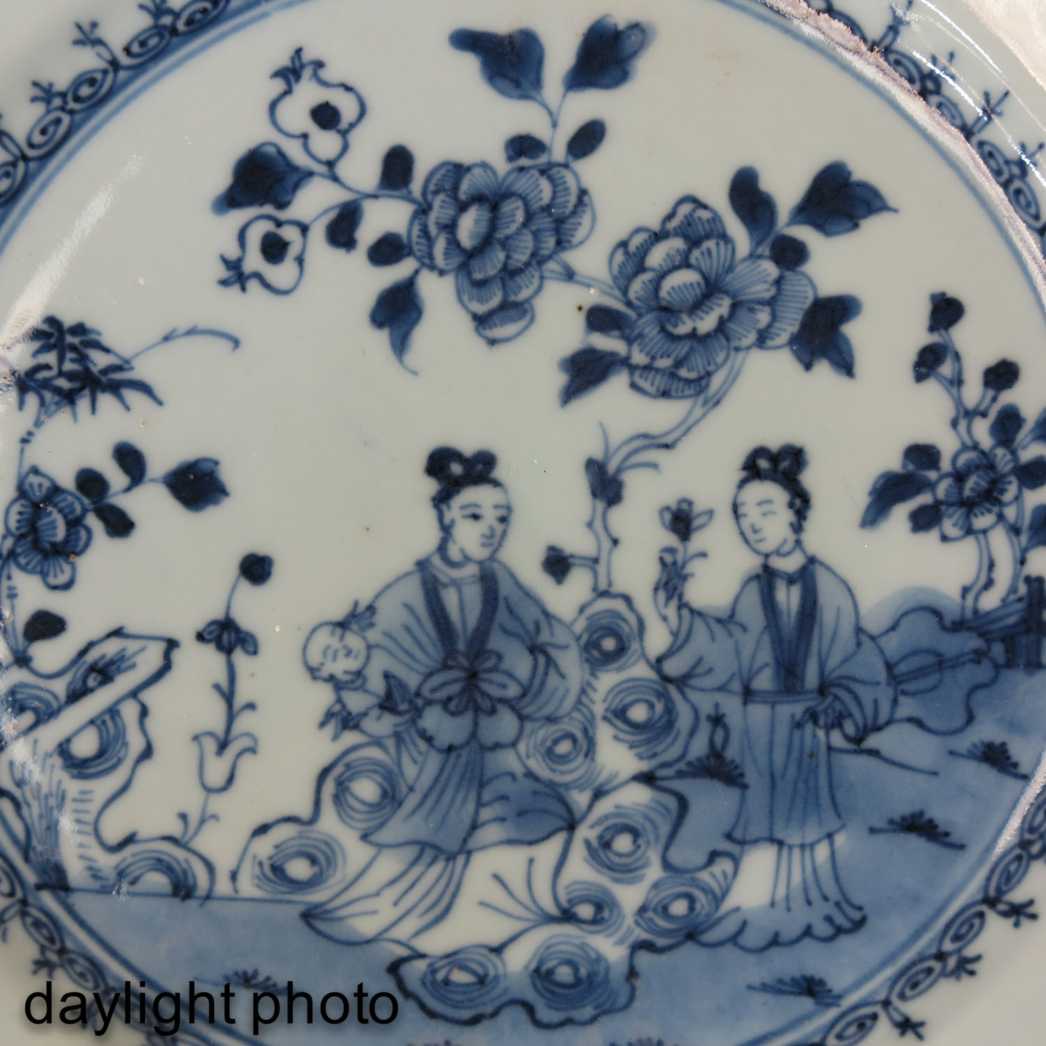 A Collection of 4 Blue and White Plates - Image 10 of 10