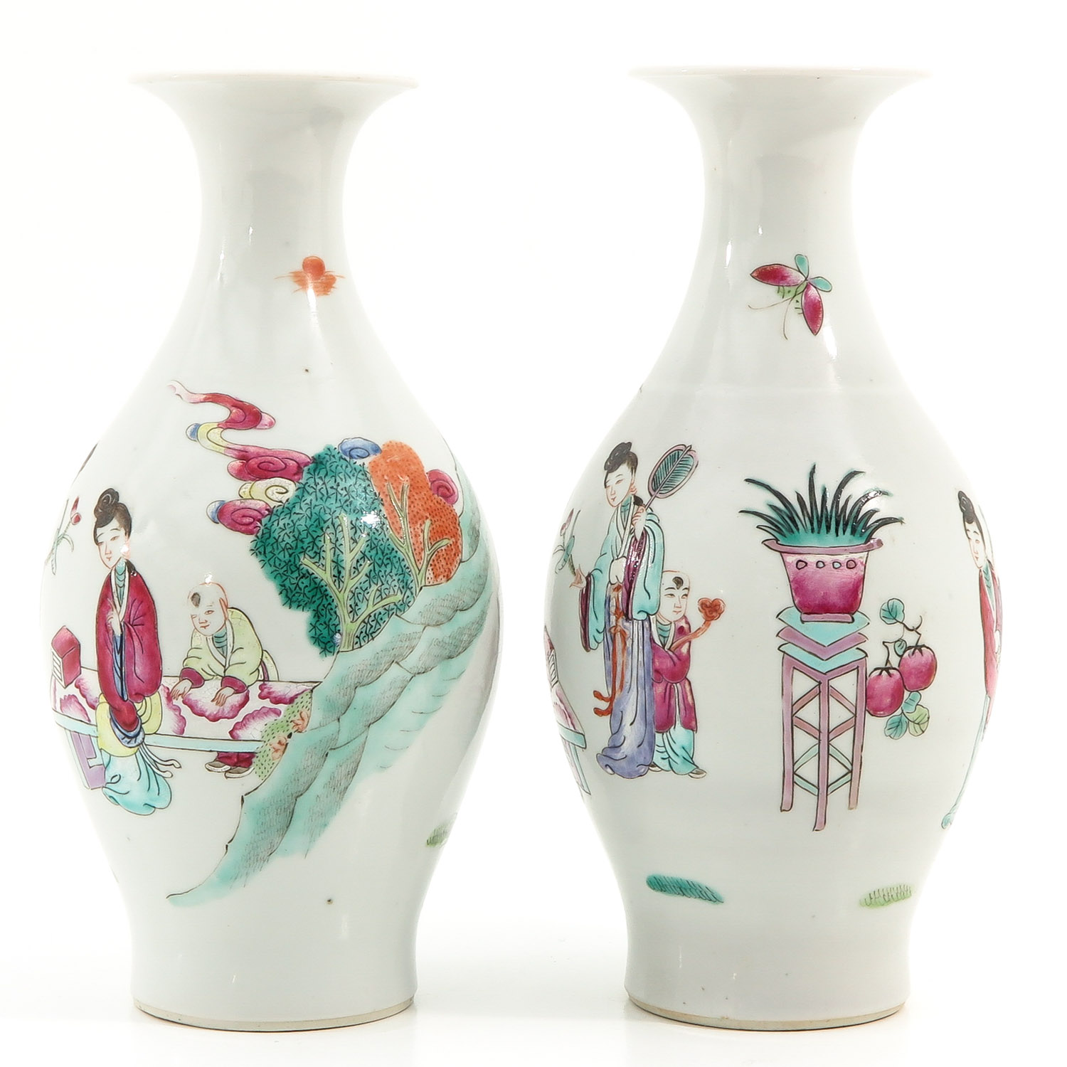 A Pair of Famille Rose Vases - Image 2 of 9