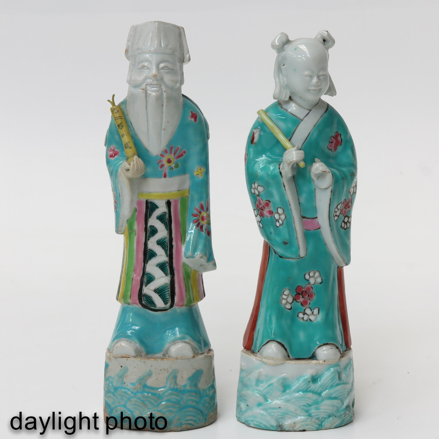 A Pair of Famille Rose Figures - Image 7 of 10