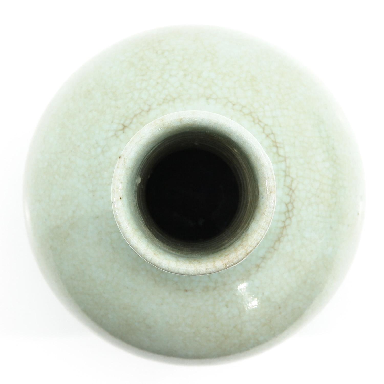 A Celadon Bottle Vase - Image 5 of 10
