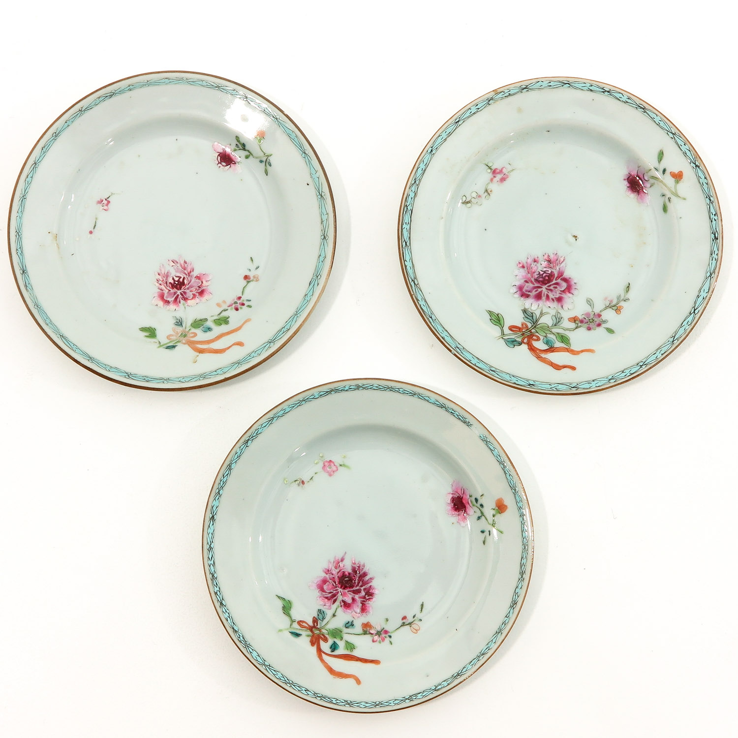 A Series of 5 Famille Rose Plates - Image 3 of 9