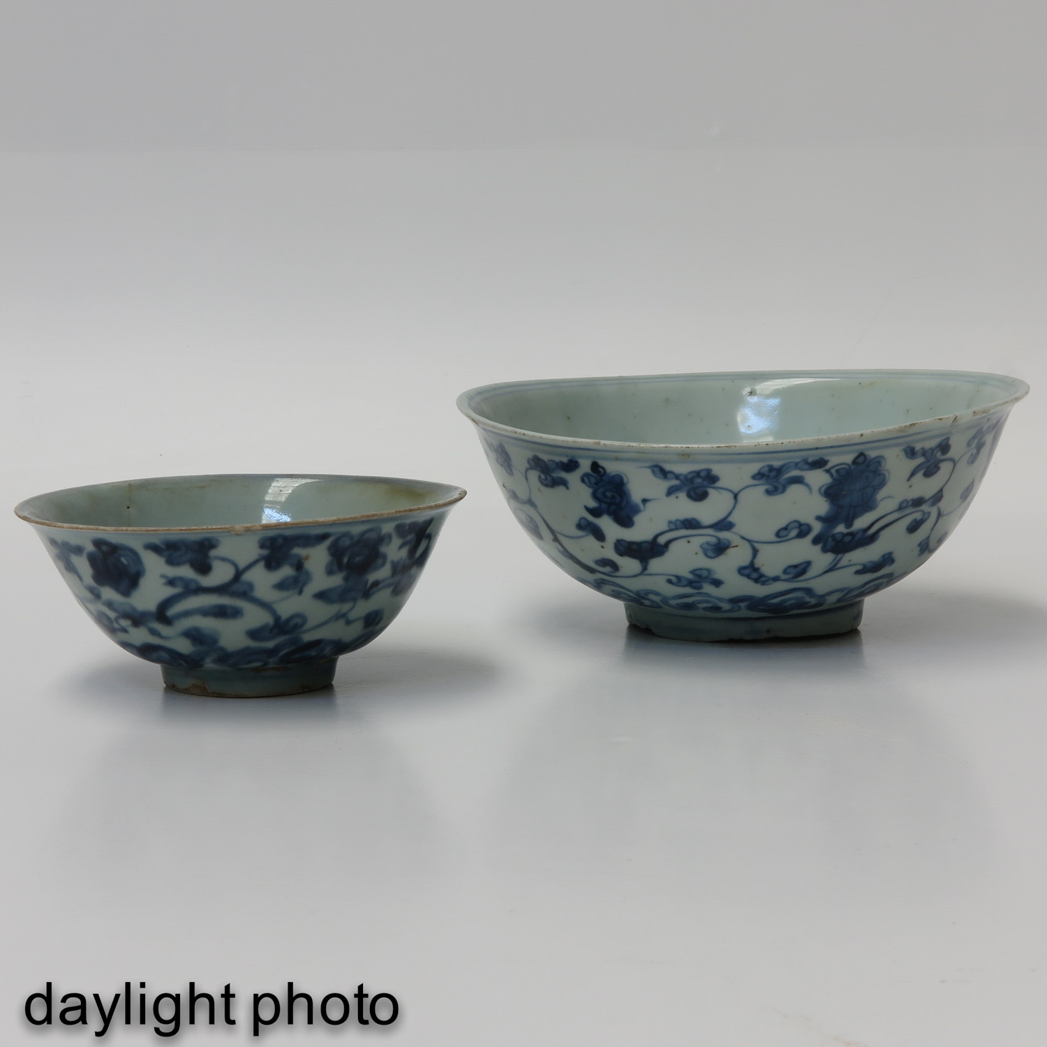 A Lot of 2 Blue and White Bowls - Image 7 of 10