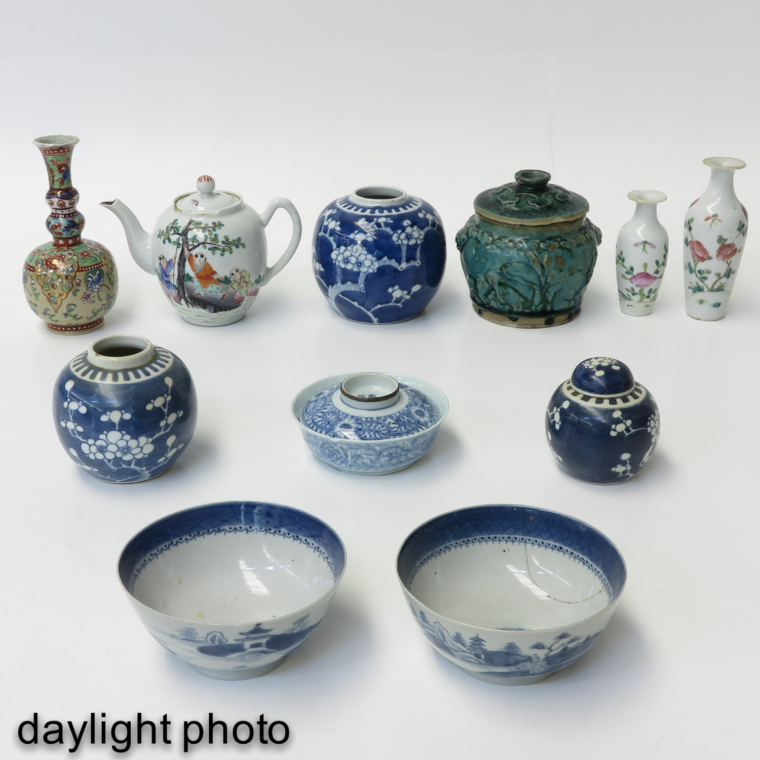A Large Collection of Porcelain - Image 7 of 10