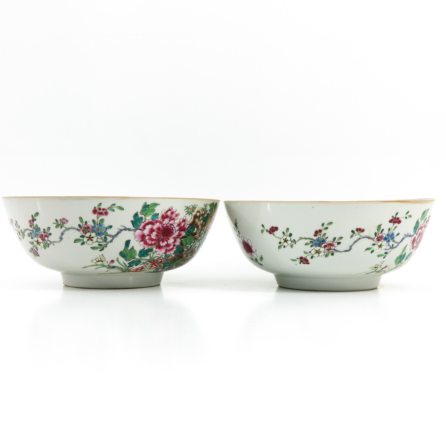 A Pair of Famille Rose Bowls - Image 4 of 9