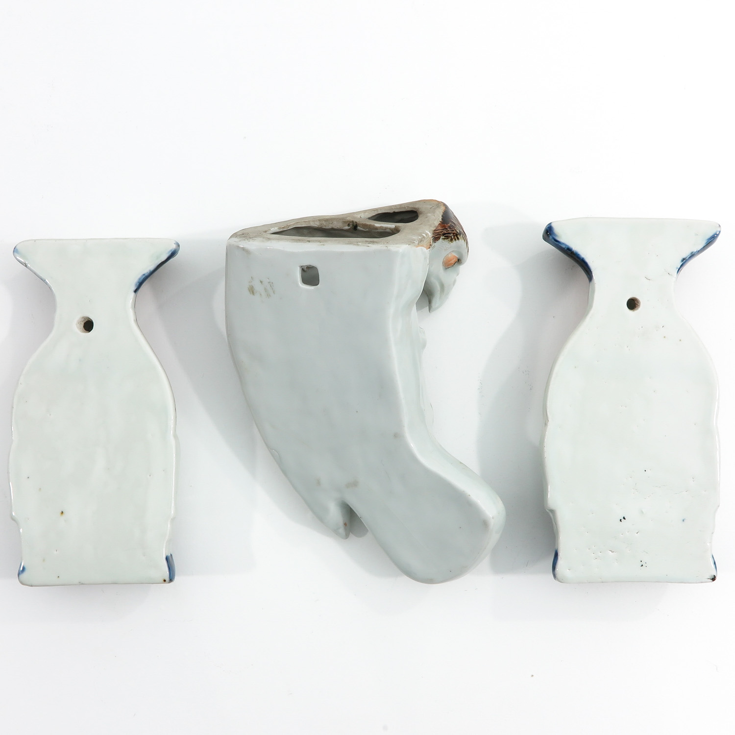 A Collection of 3 Wall Vases - Image 2 of 7