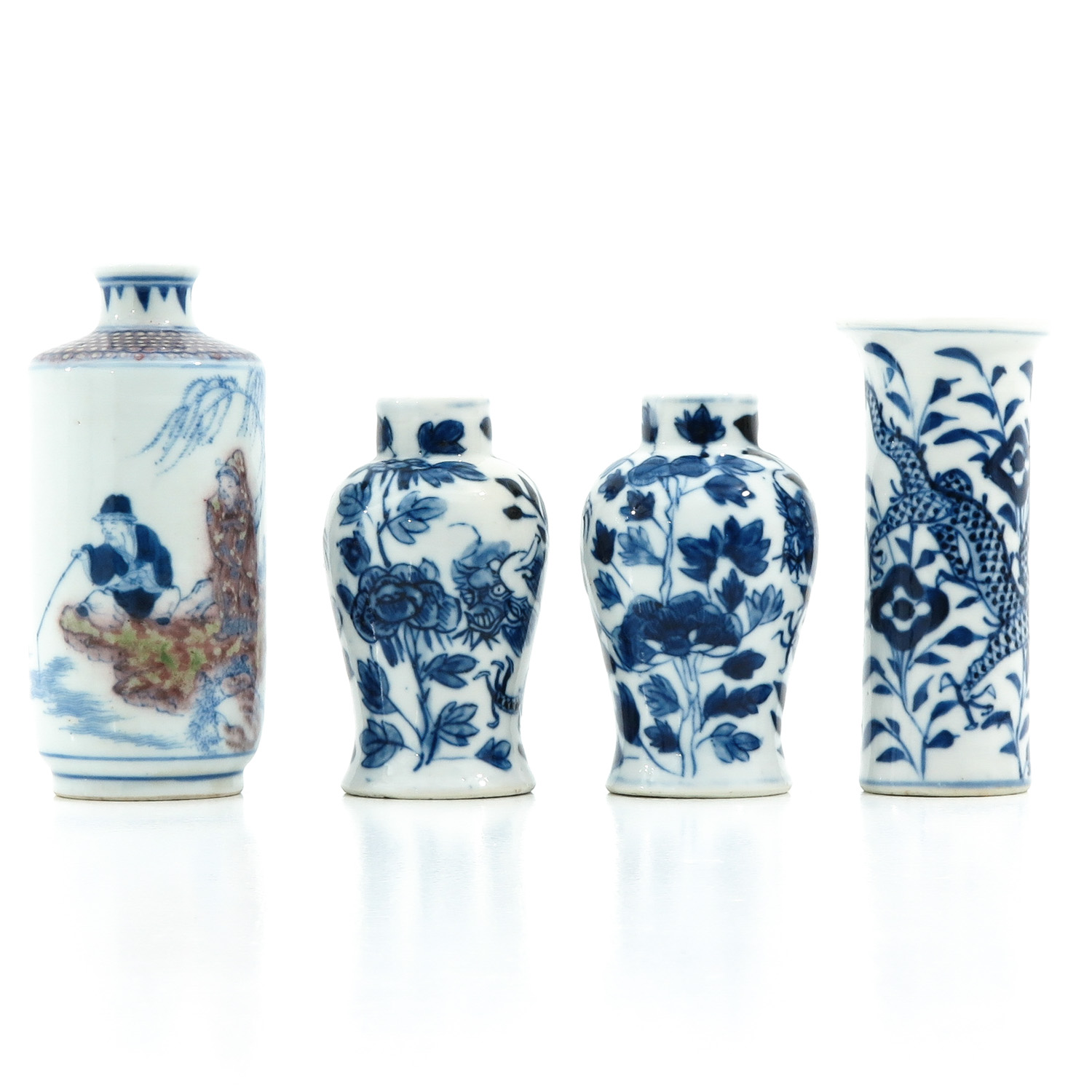 A Collection of 4 Miniature Vases - Image 4 of 10