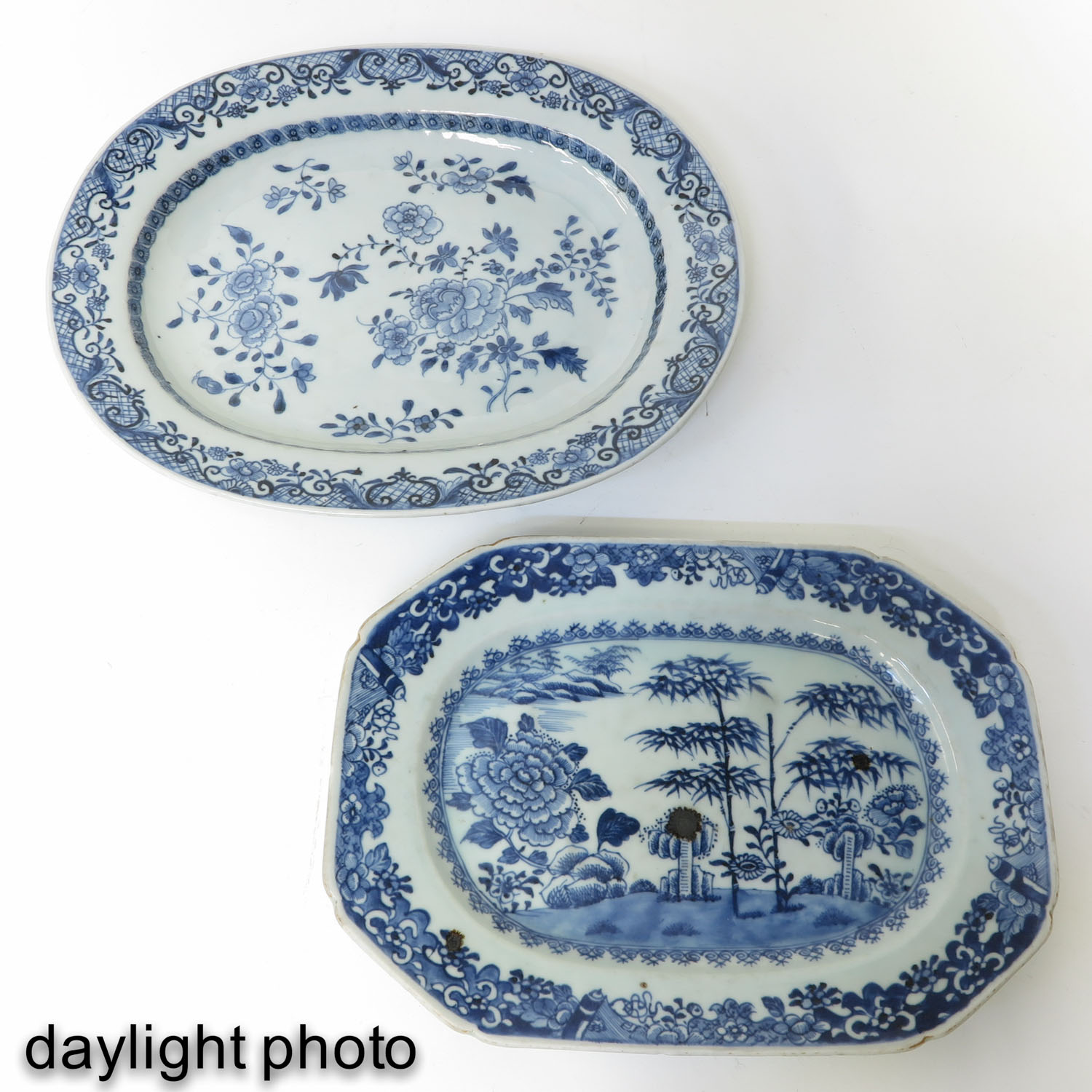 A Lot of 2 Blue and White Trays - Image 7 of 10