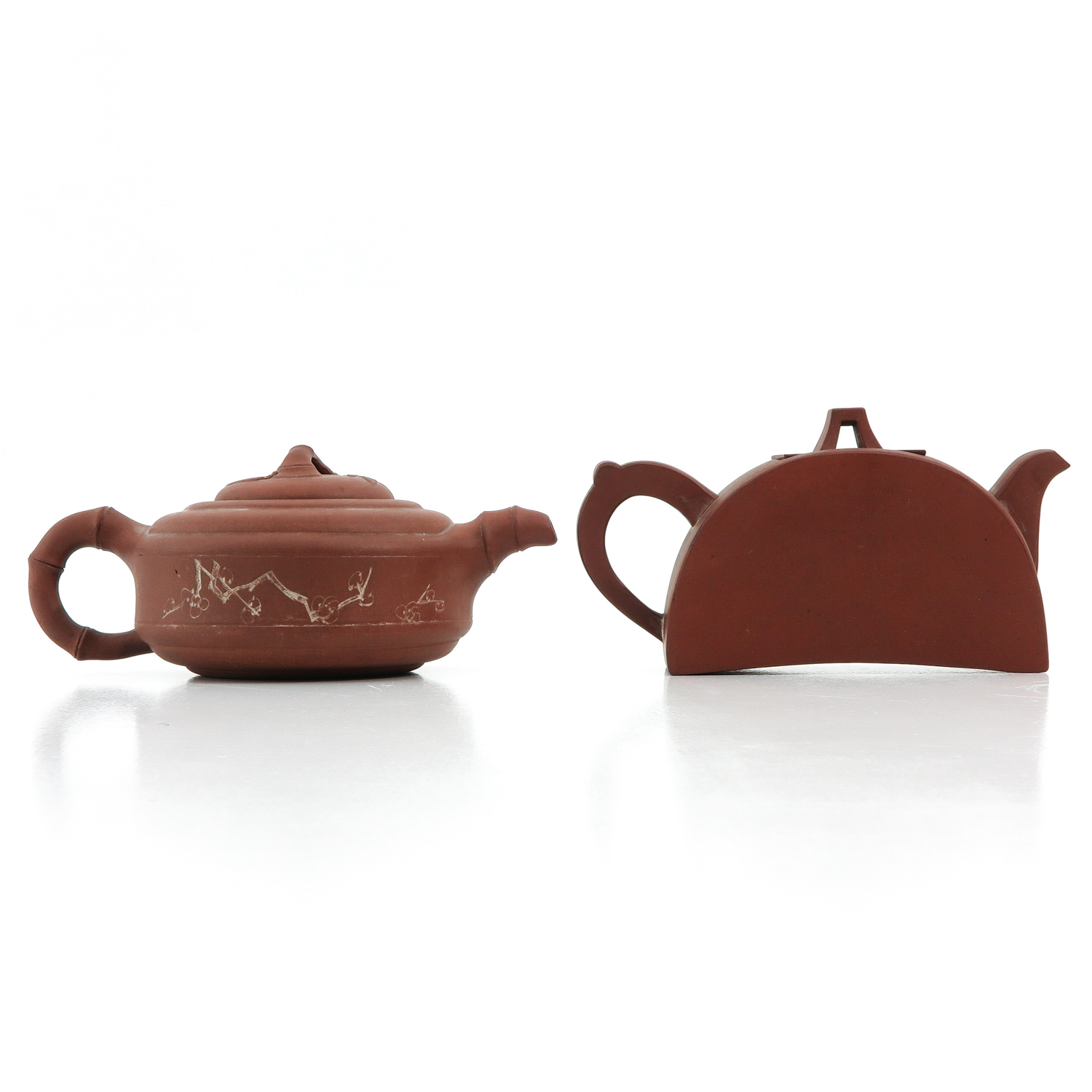 A Lot of 2 Yixing Teapots - Image 3 of 9