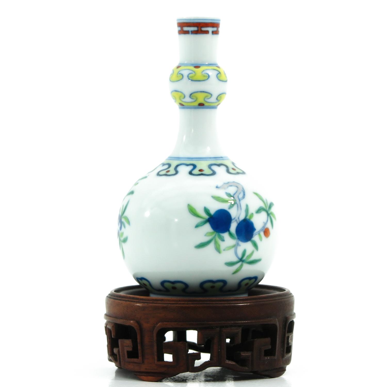 A Small Doucai Decor Vase - Image 2 of 10