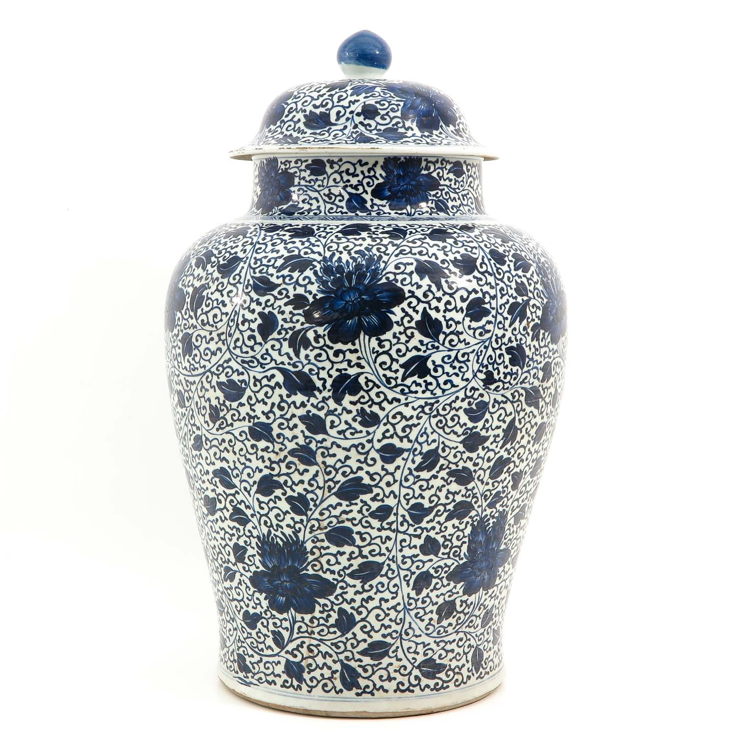 A Large Blue and White Jar - Image 2 of 9