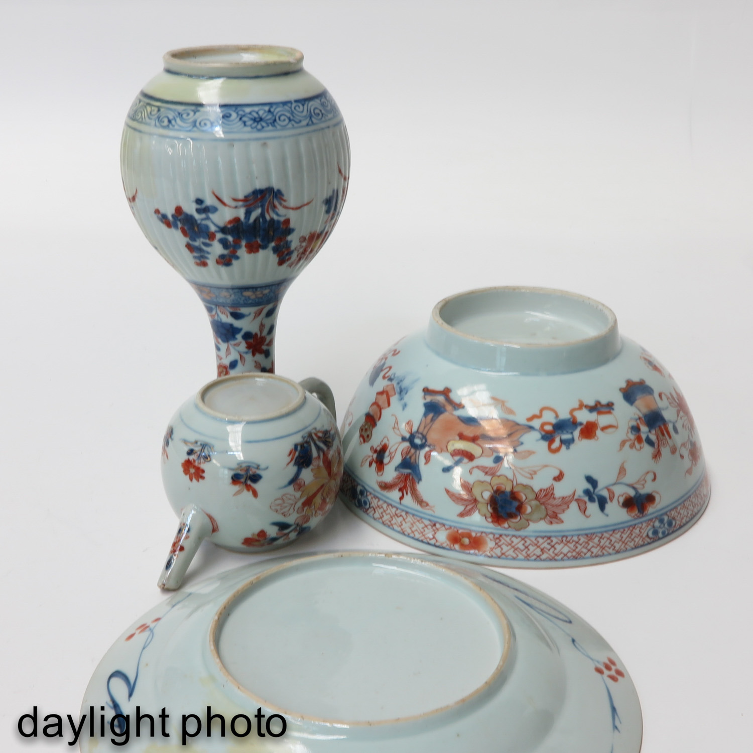 A Collection of Imari - Image 8 of 10