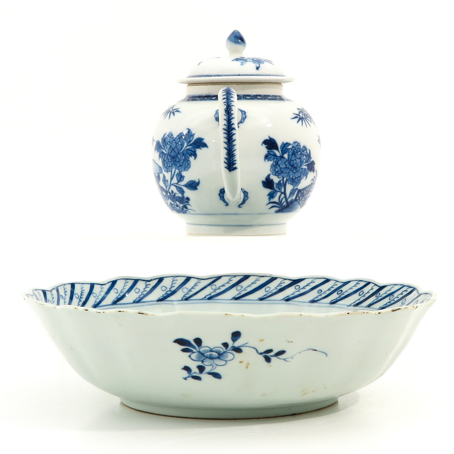 A Blue and White Bowl and Teapot - Image 2 of 10