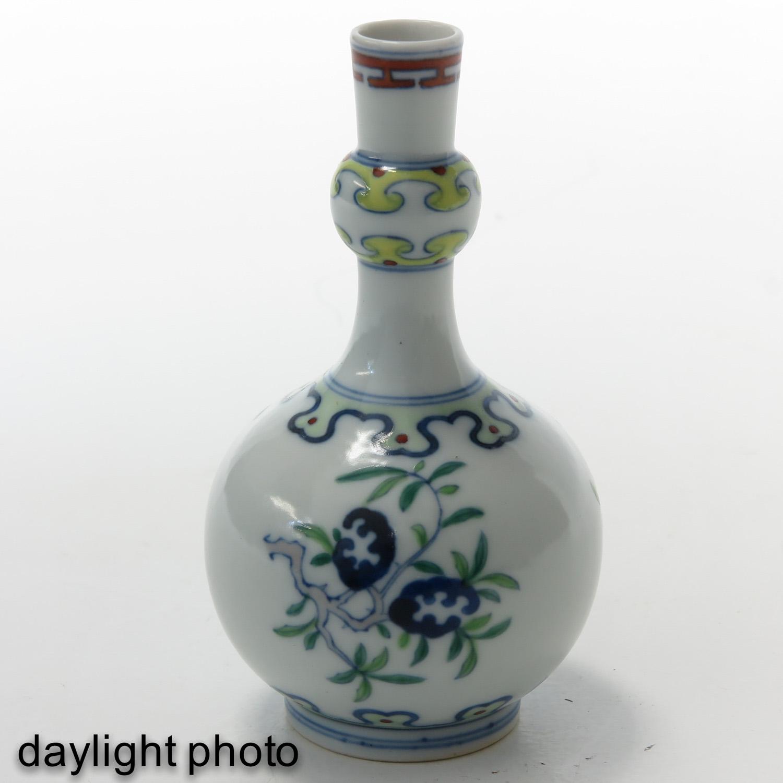 A Small Doucai Decor Vase - Image 7 of 10