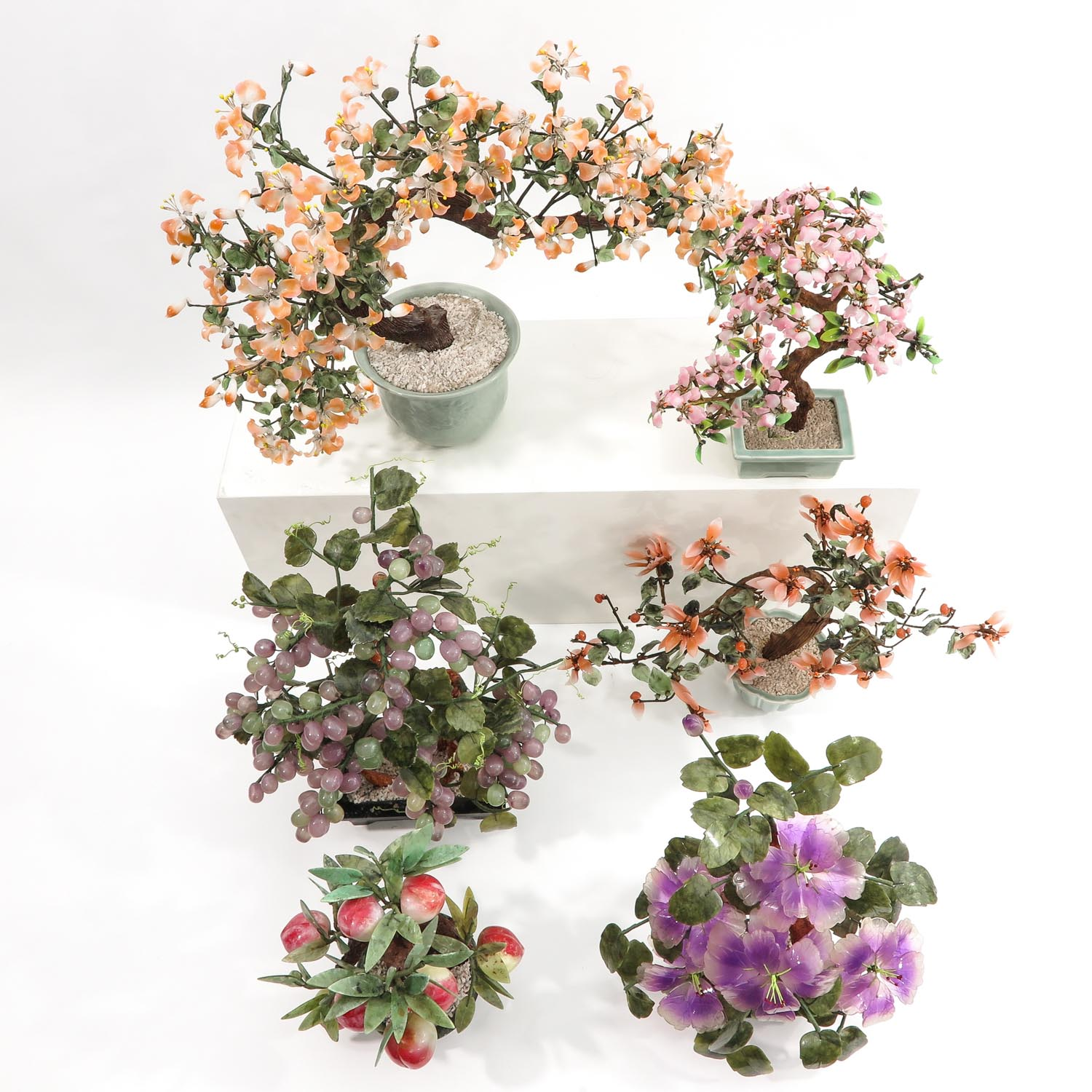 A Collection of Floral Arrangements - Image 5 of 10