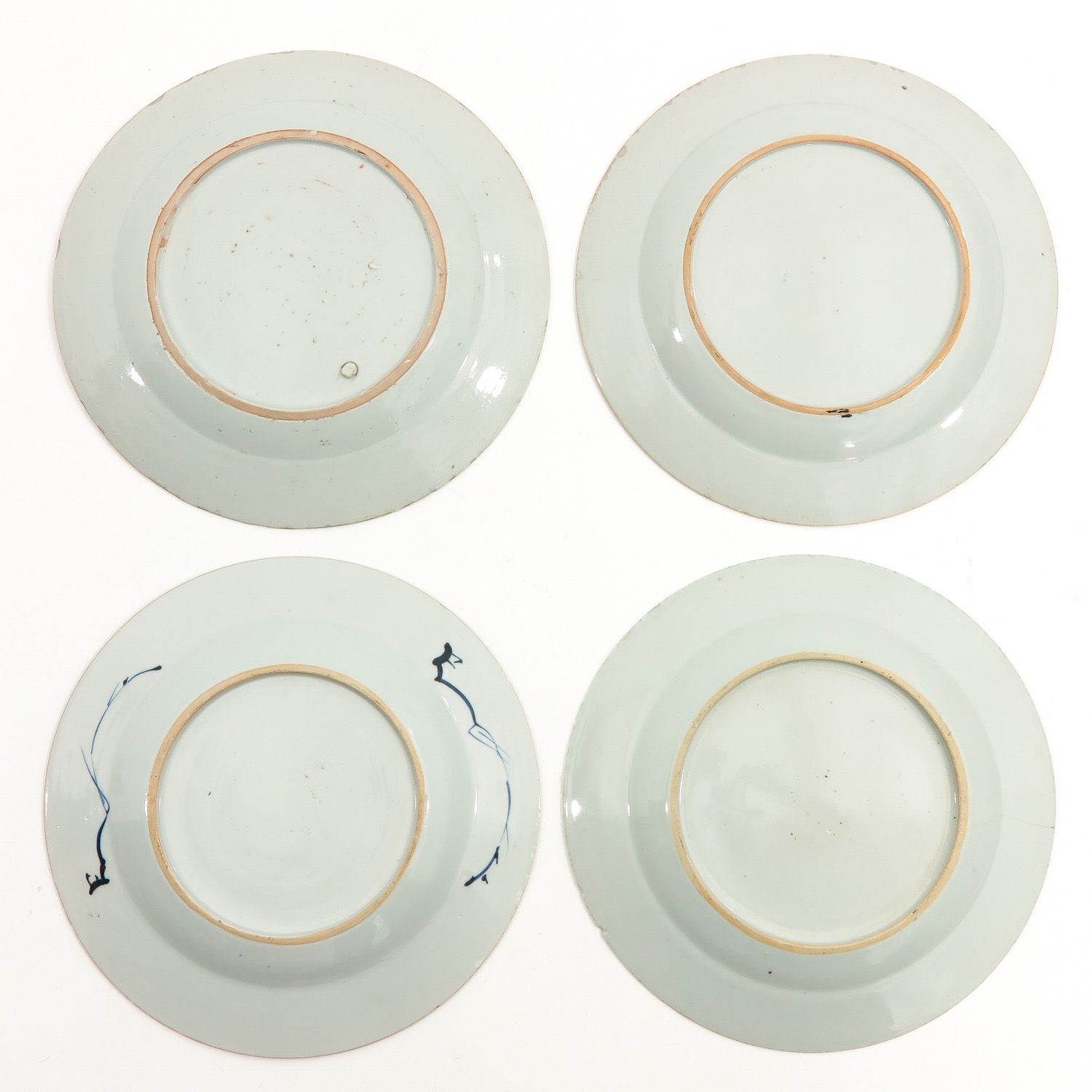 A Collection of 4 Blue and White Plates - Image 2 of 10