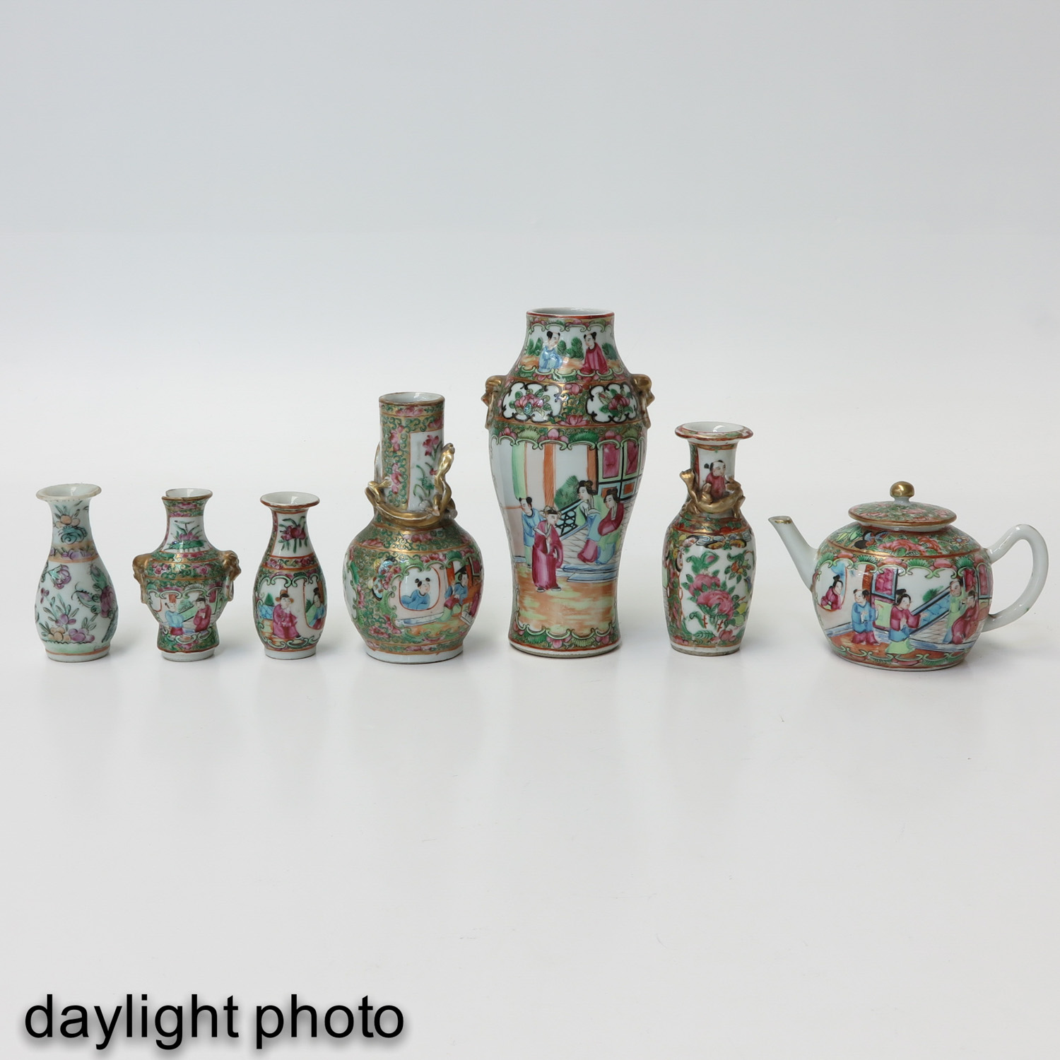 A Diverse Collection of Porcelain - Image 7 of 10