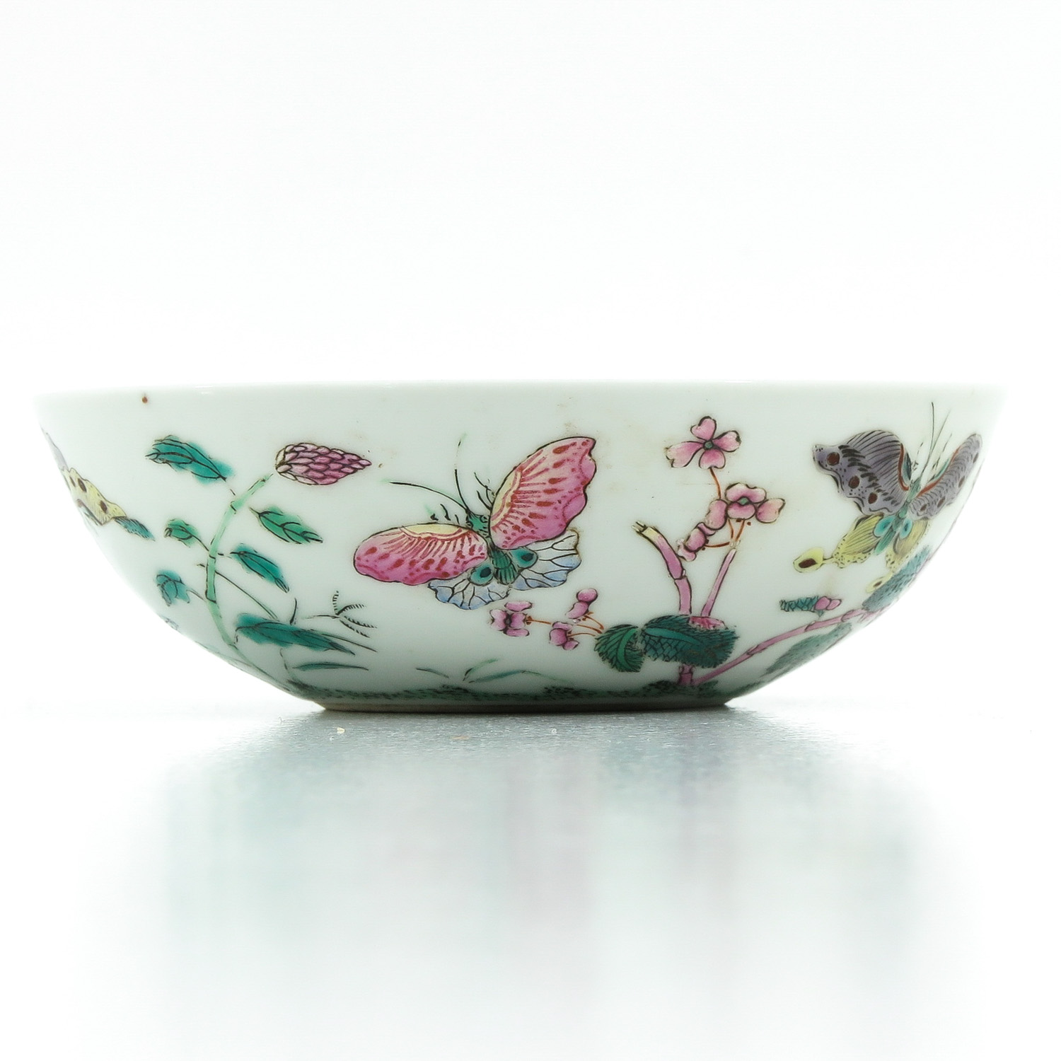 A Famille Rose Bowl - Image 2 of 9