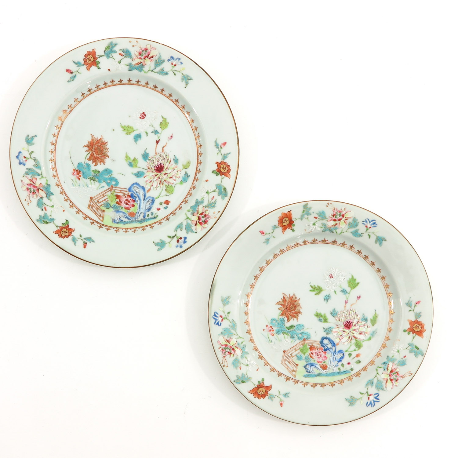 A Collection of 4 Famille Rose Plates - Image 5 of 10