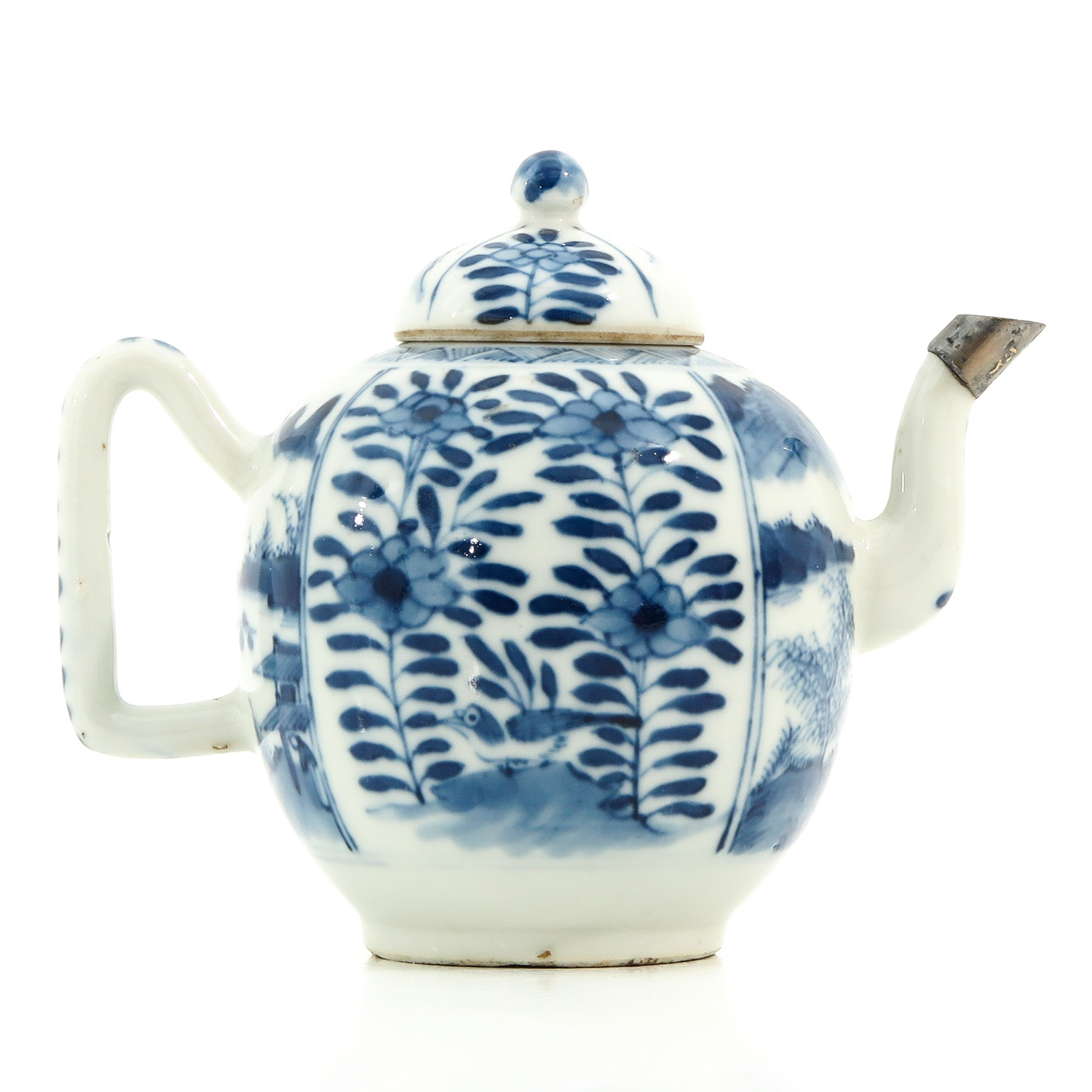 A Blue and White Teapot - Image 3 of 9