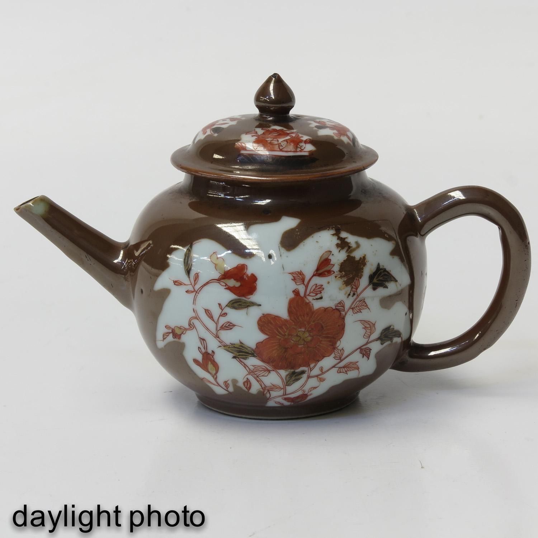 A Batavianware Teapot - Image 7 of 9