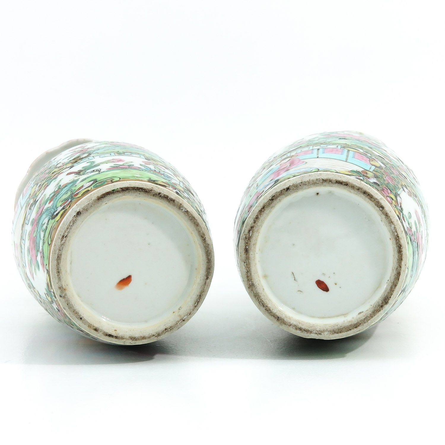 A Pair of Cantonese Vases - Image 6 of 9