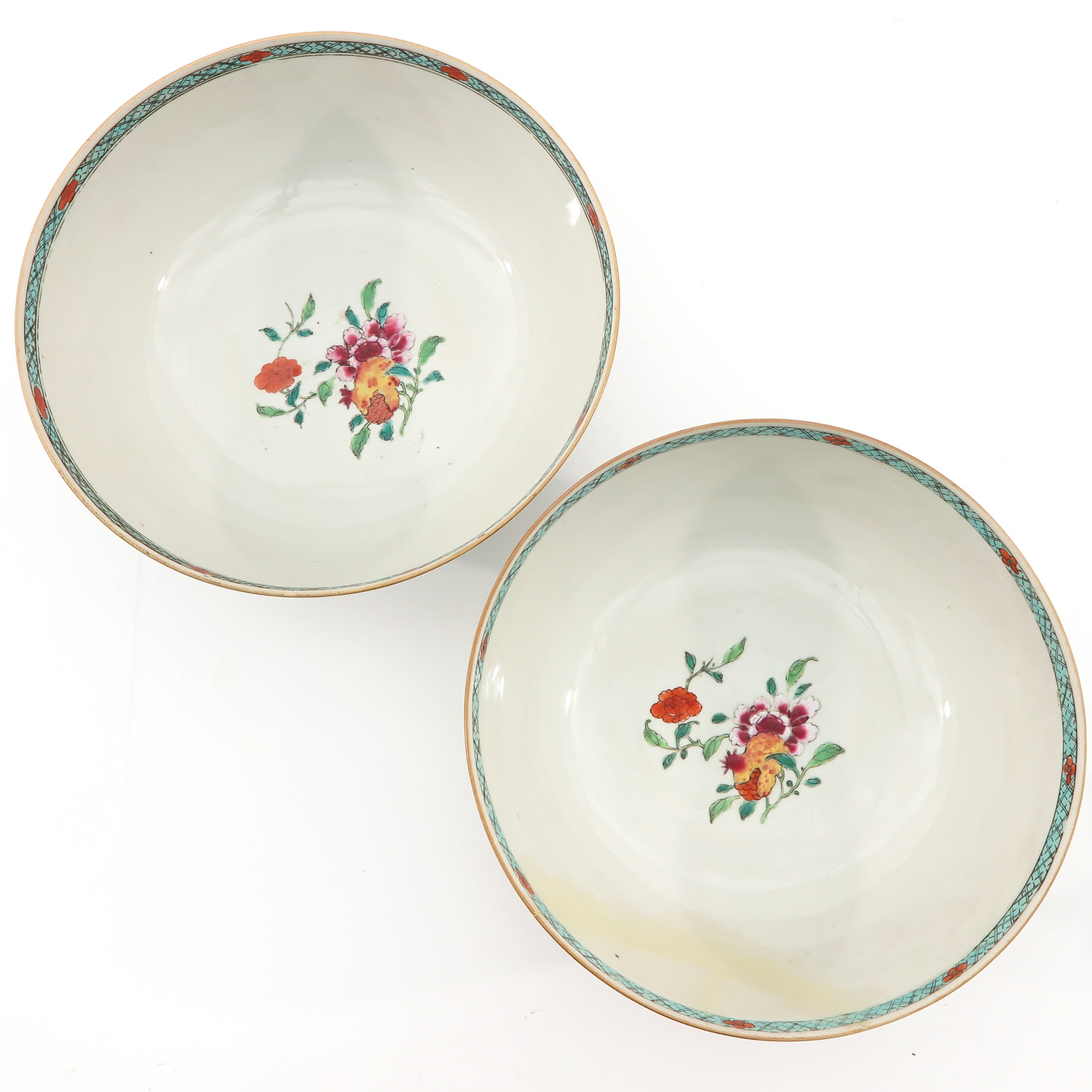 A Pair of Famille Rose Bowls - Image 5 of 9