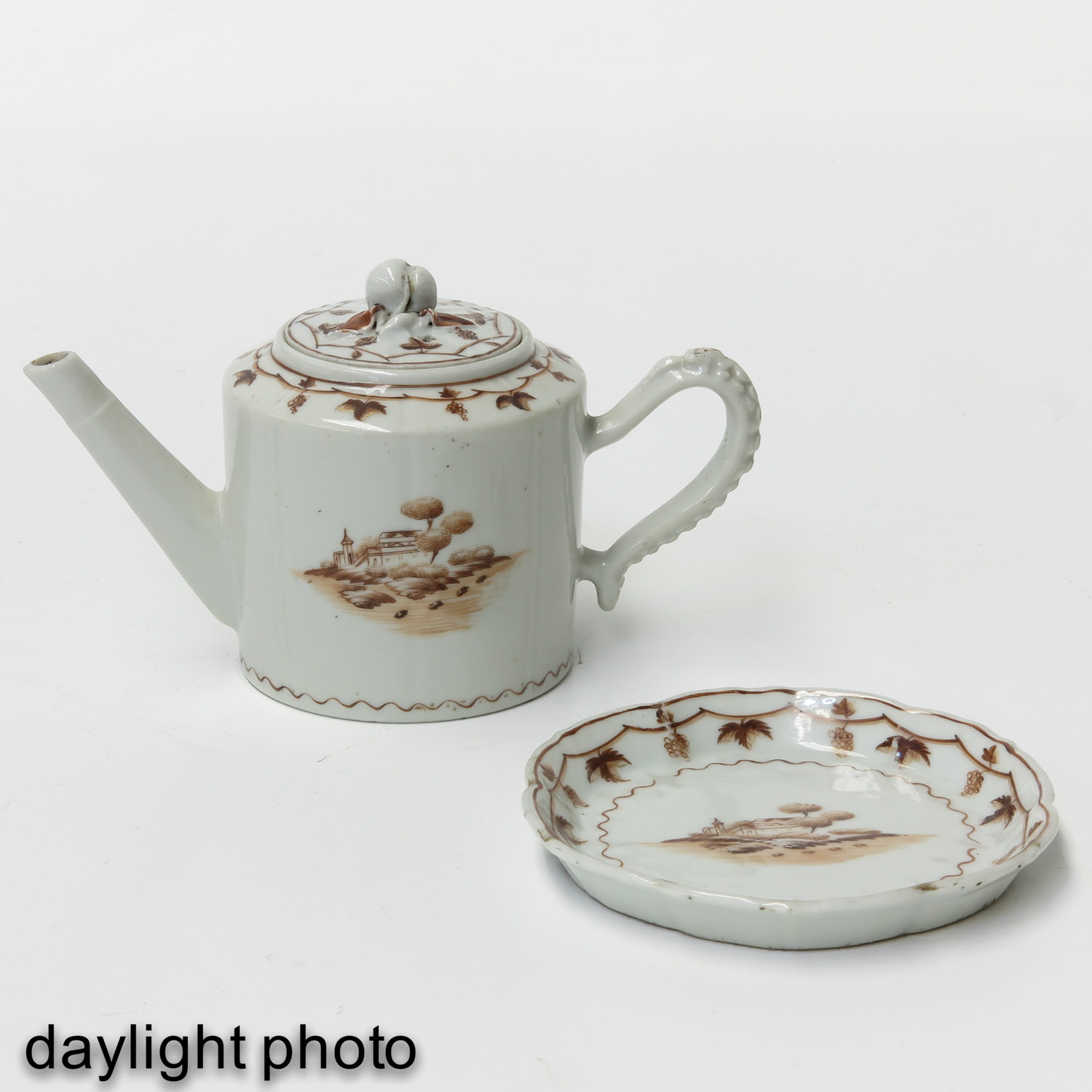 A Teapot and Small Dish - Image 7 of 9