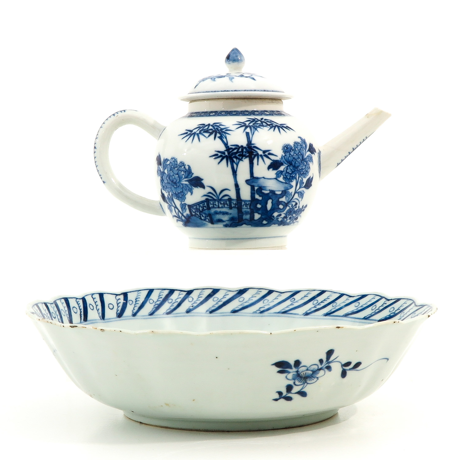 A Blue and White Bowl and Teapot - Image 3 of 10