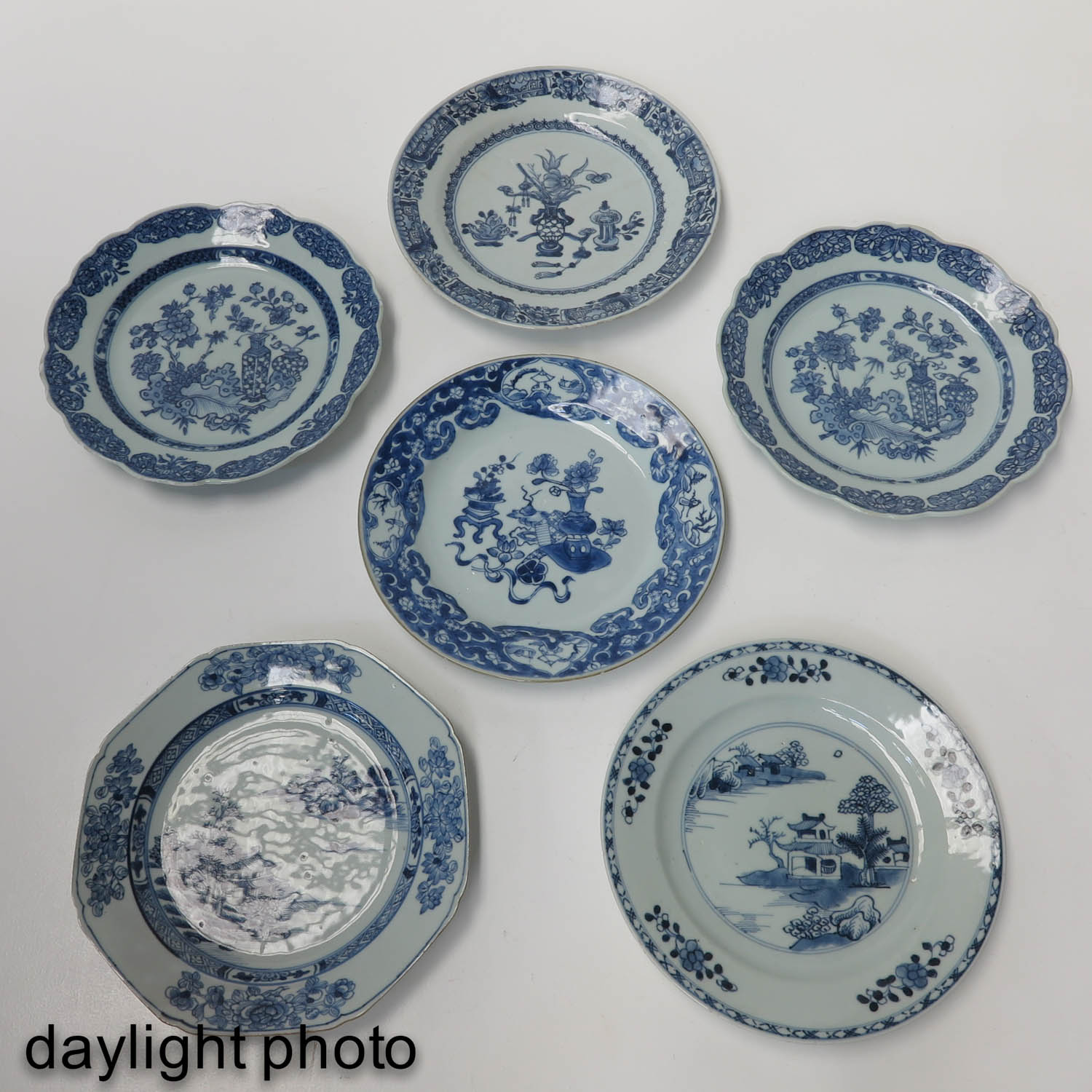 A Set of 6 Blue and White Plates - Image 9 of 10