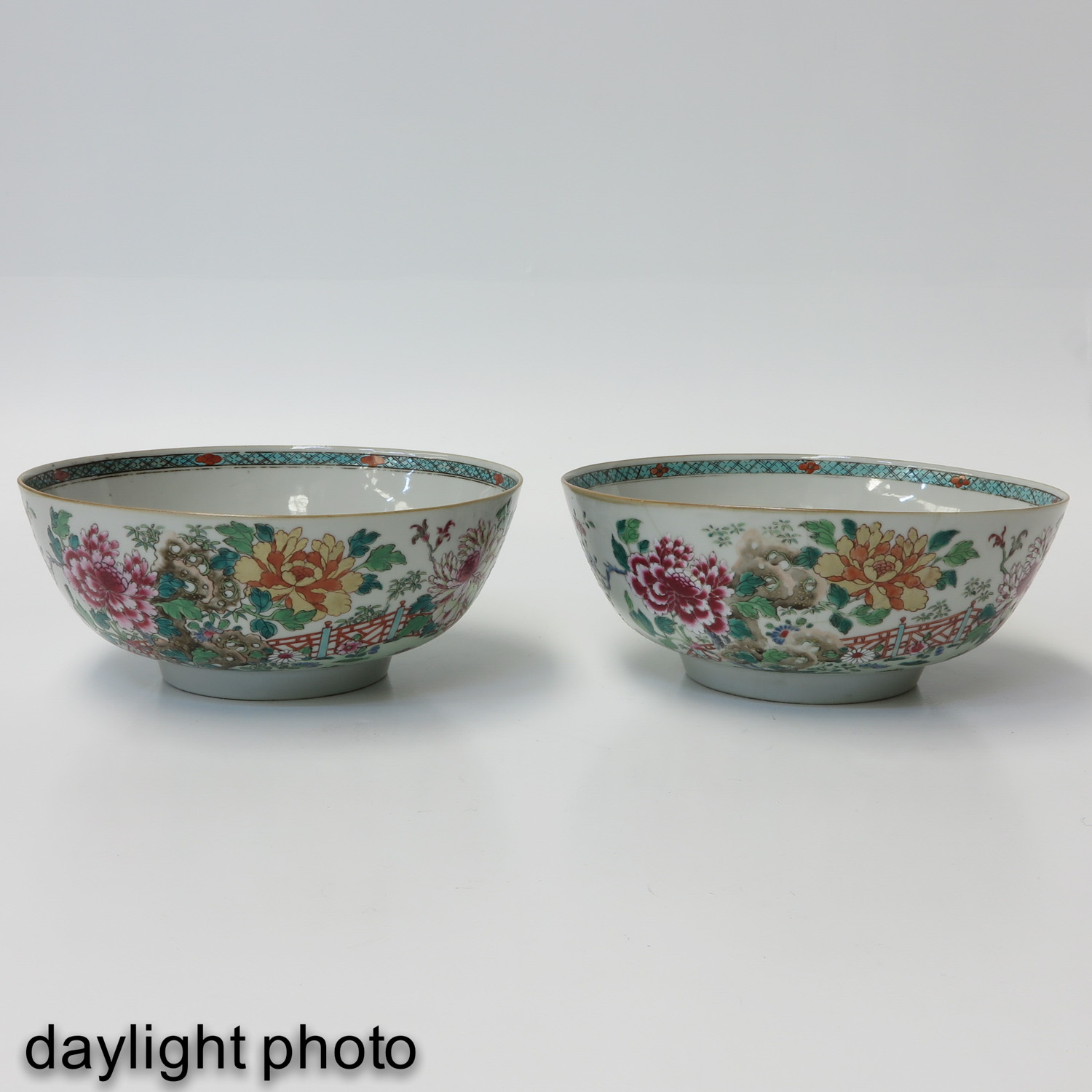 A Pair of Famille Rose Bowls - Image 7 of 9