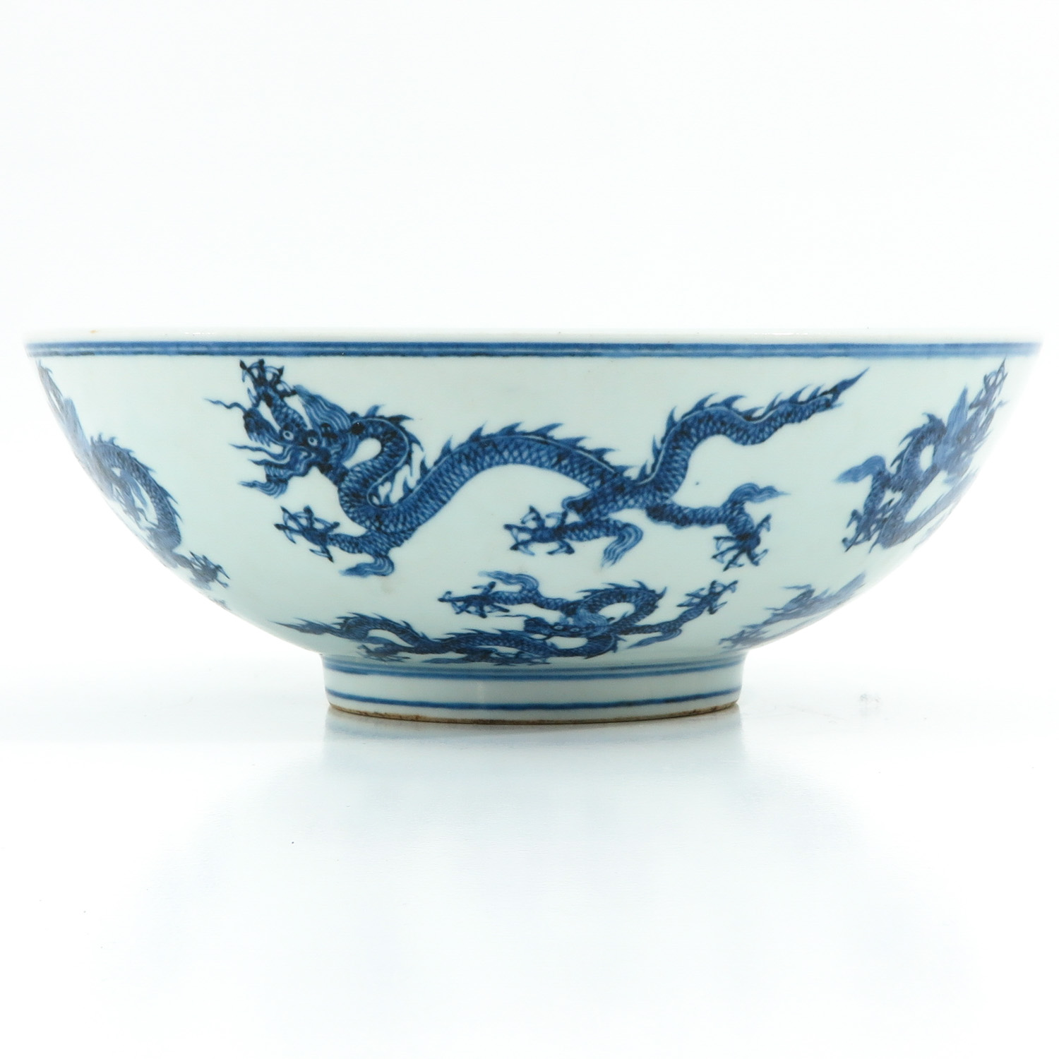 A Blue and White Bowl - Image 2 of 9