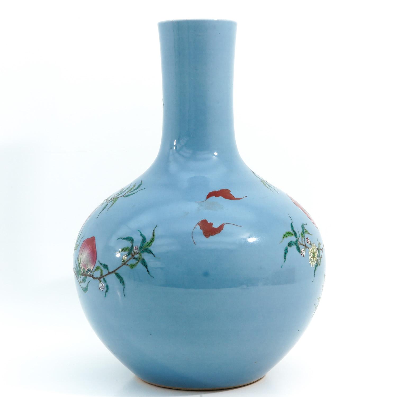 A Peach Decor Bottle Vase - Image 3 of 10