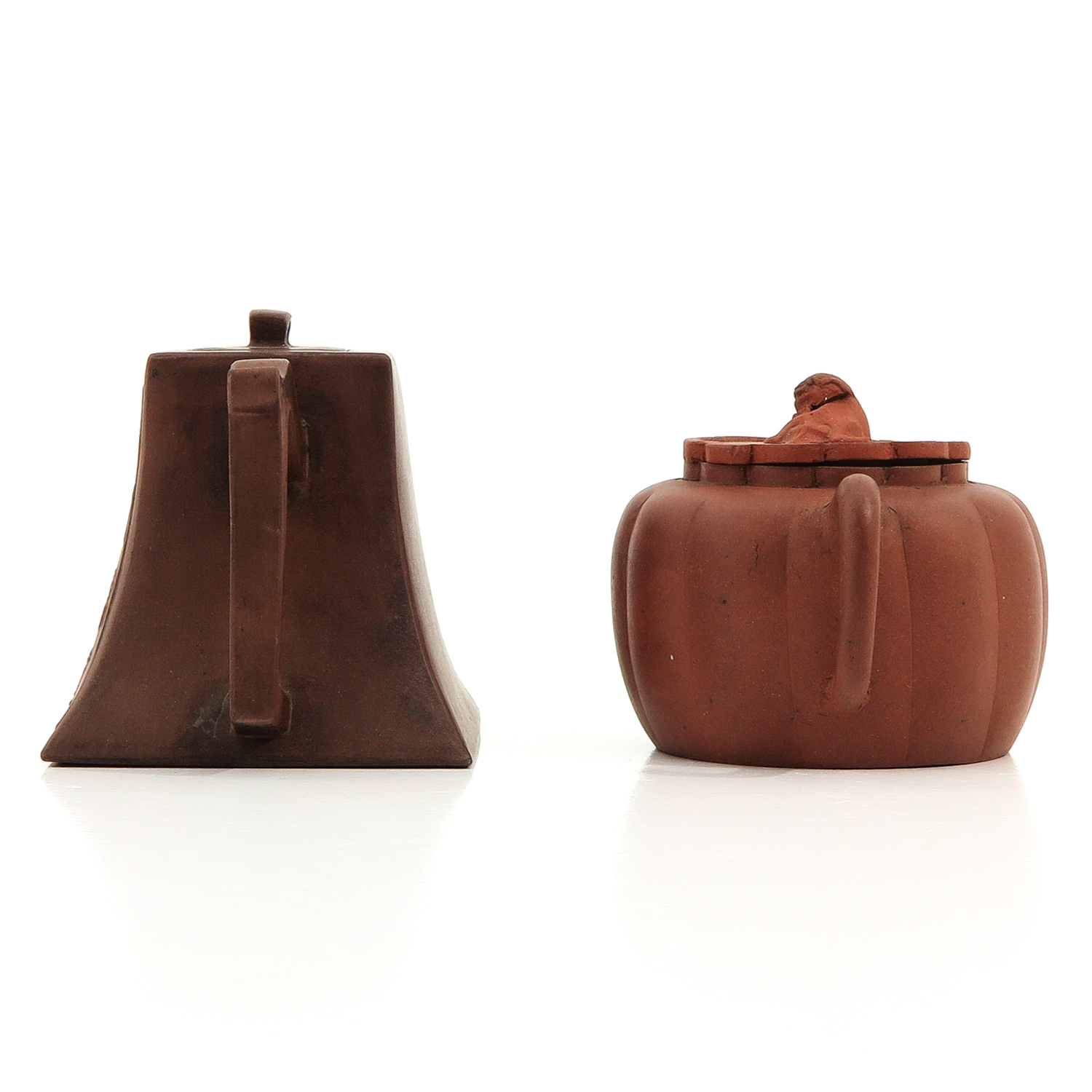 A Lot of 2 Yixing Teapots - Image 2 of 10