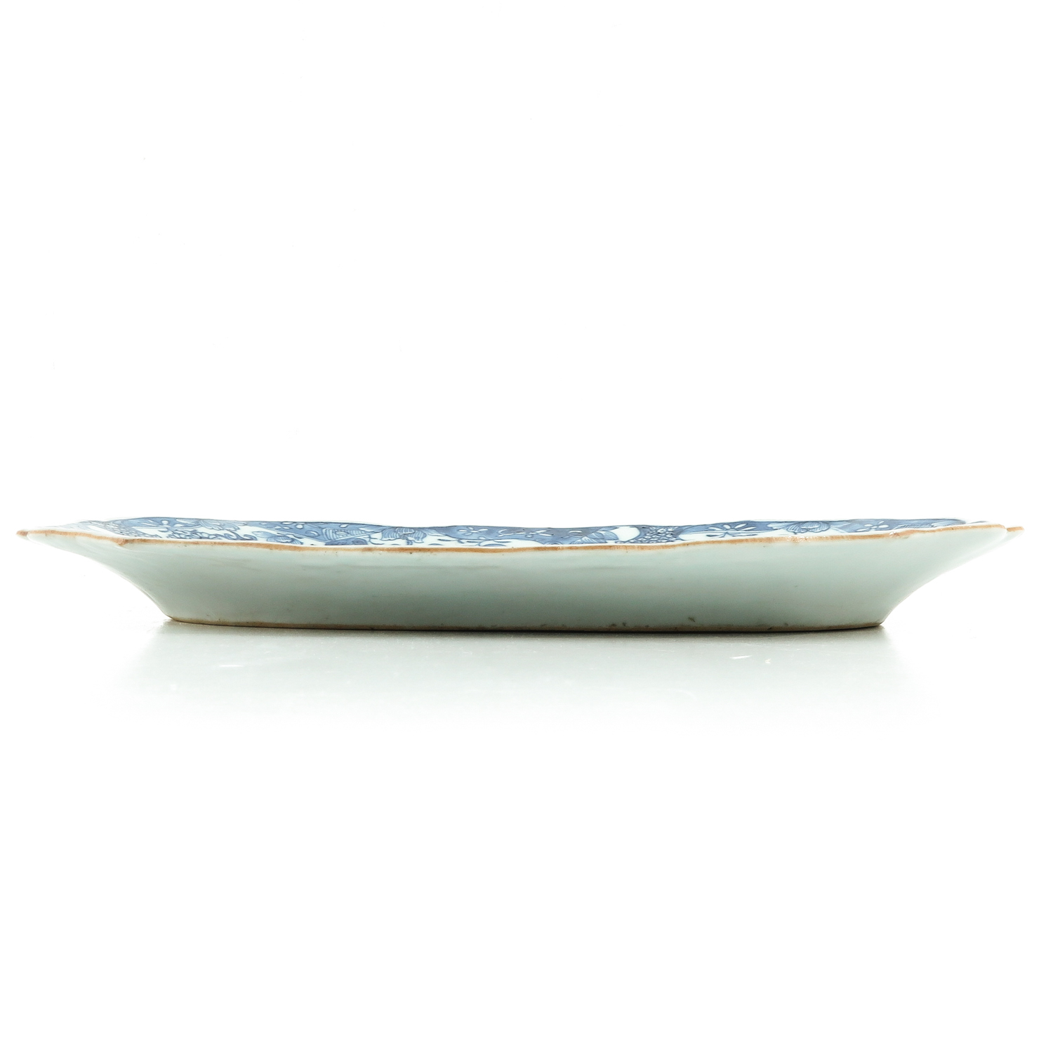 A Blue and White Serving Dish - Image 4 of 7