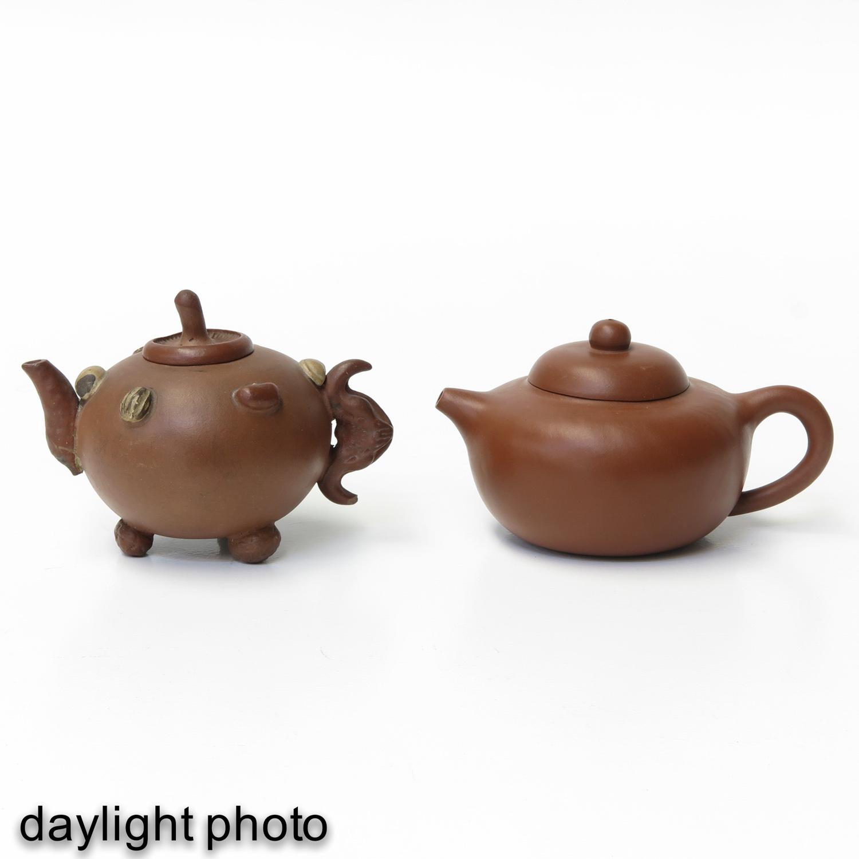 2 Yixing Teapots - Image 7 of 9