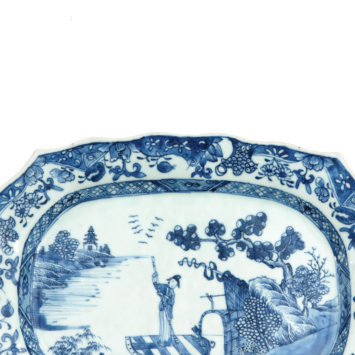 A Blue and White Serving Dish - Image 3 of 7