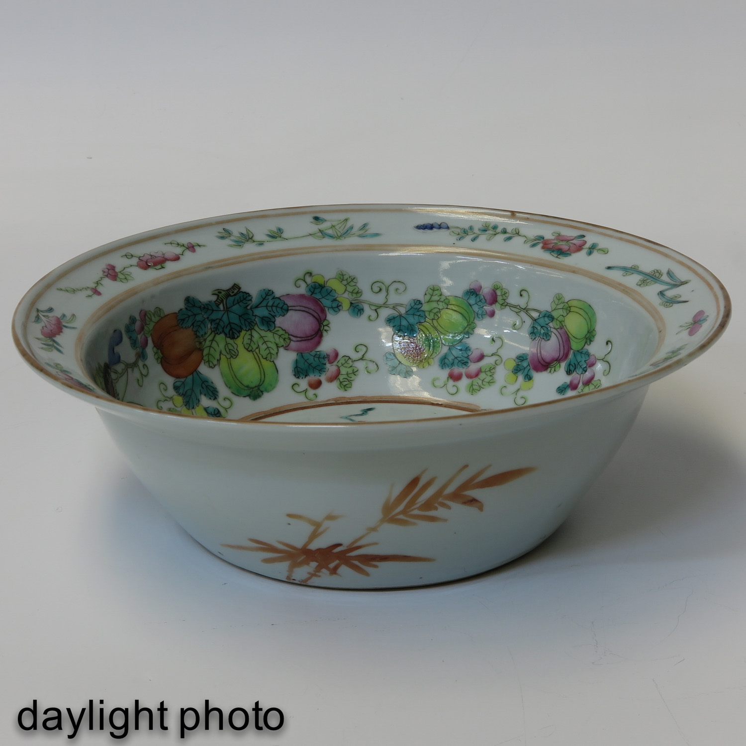 A Famille Rose Bowl - Image 7 of 10