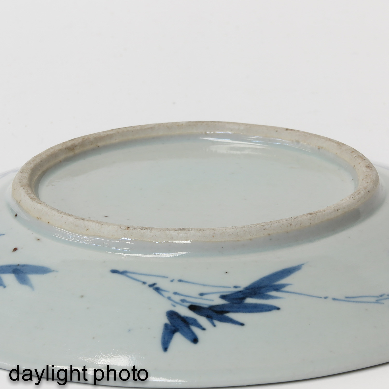 A Blue and White Dish - Image 4 of 5