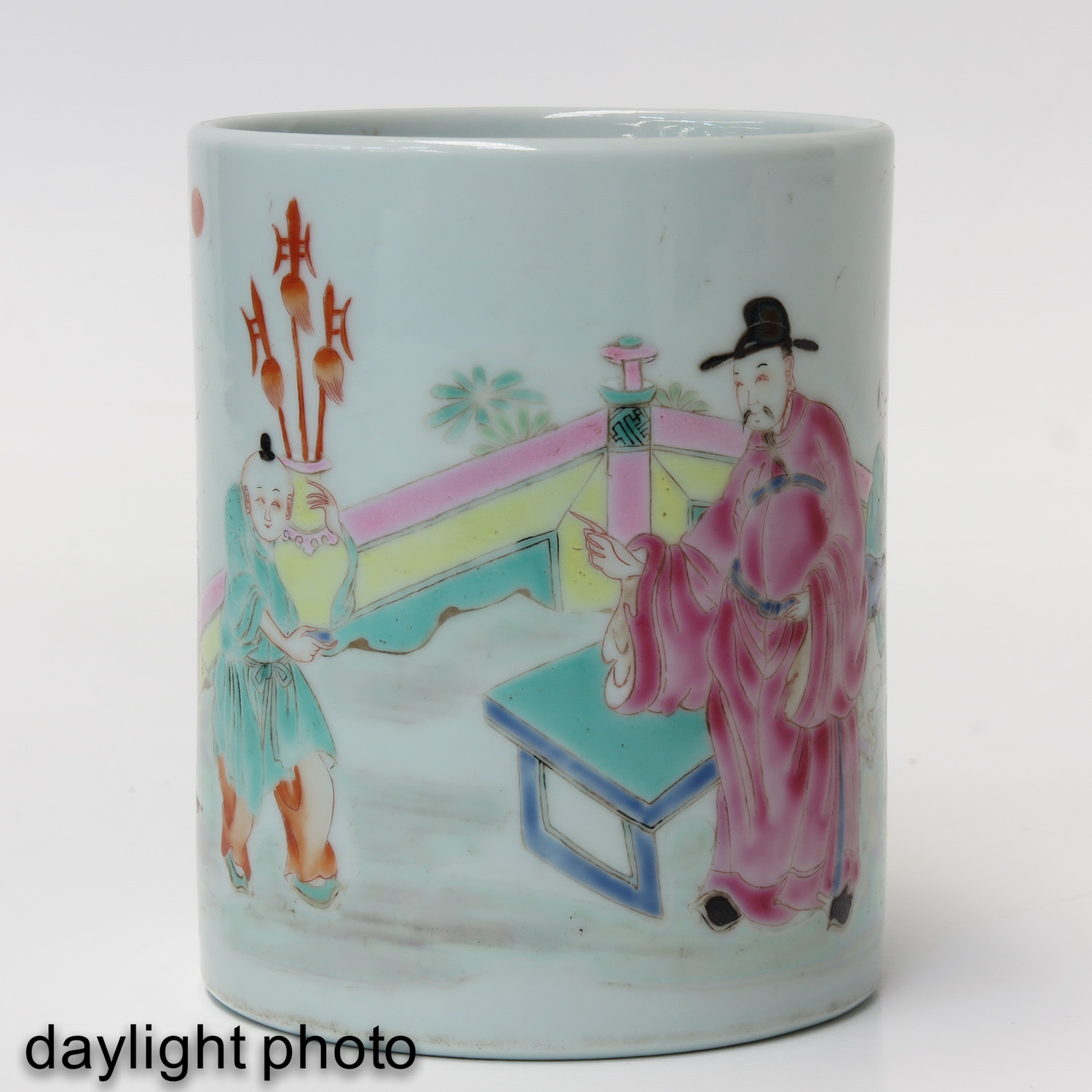 A Famille Rose Brush Pot - Image 7 of 9
