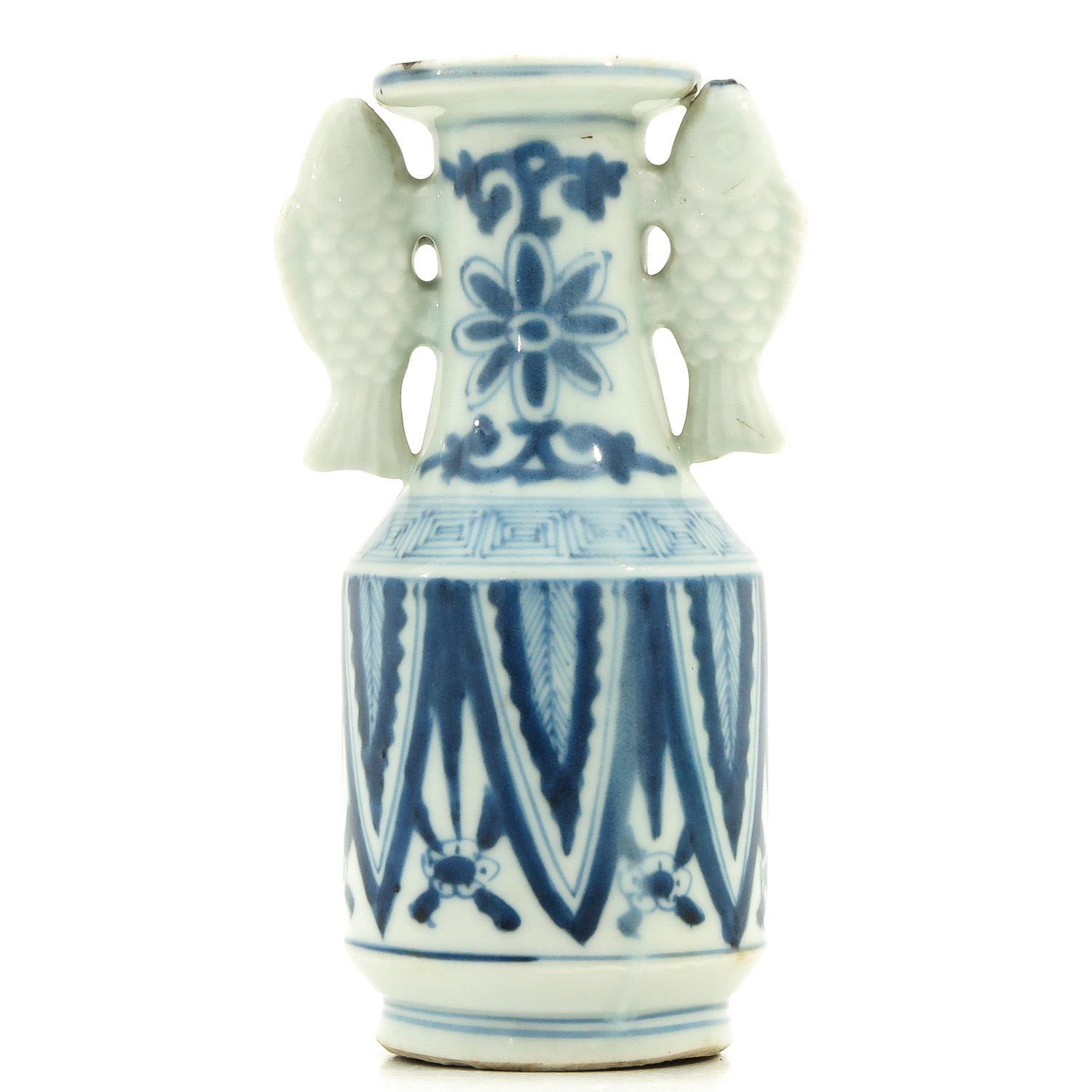 A Blue and White Twin Fish Vase - Image 3 of 9