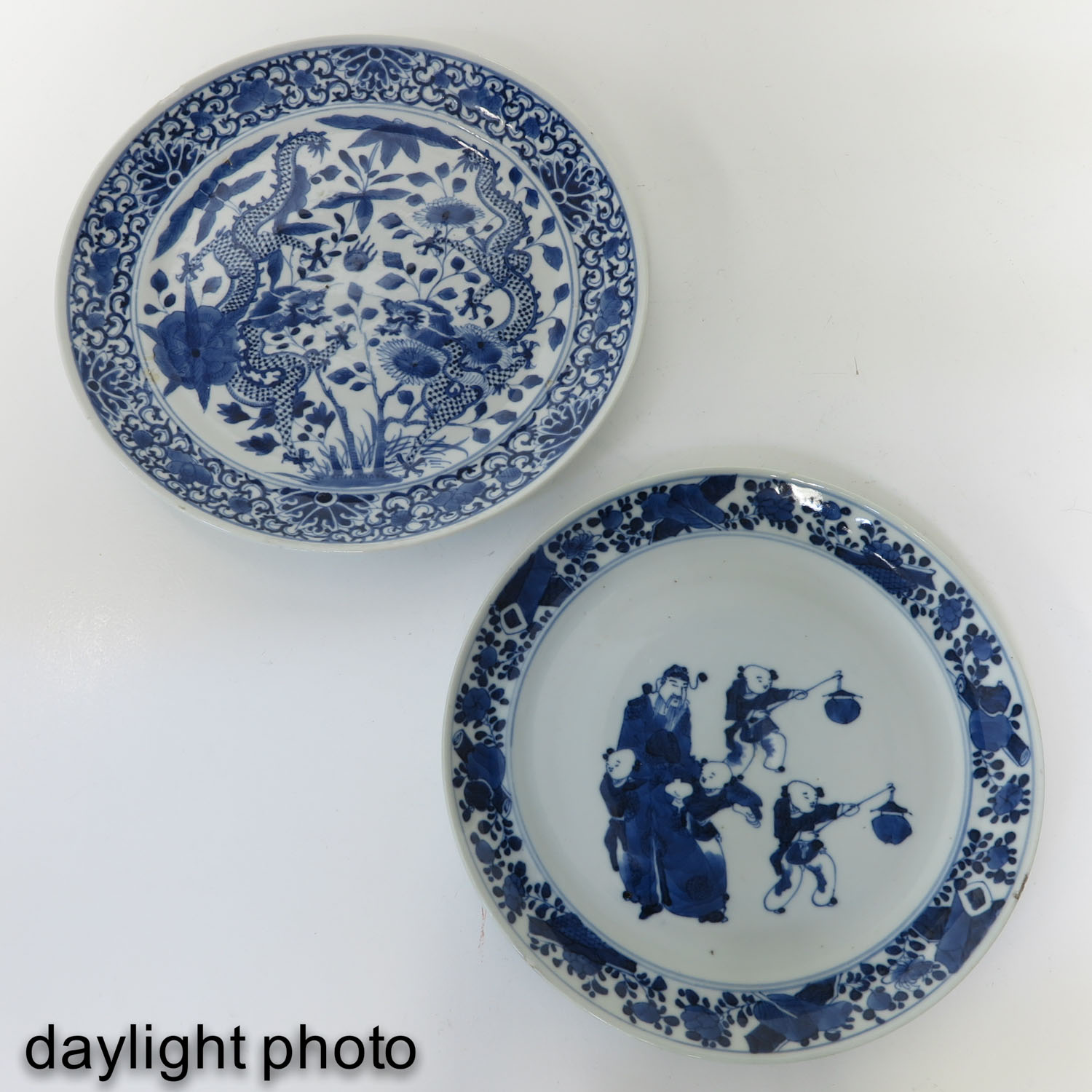 A Lot of 2 Blue and White Plates - Image 7 of 10