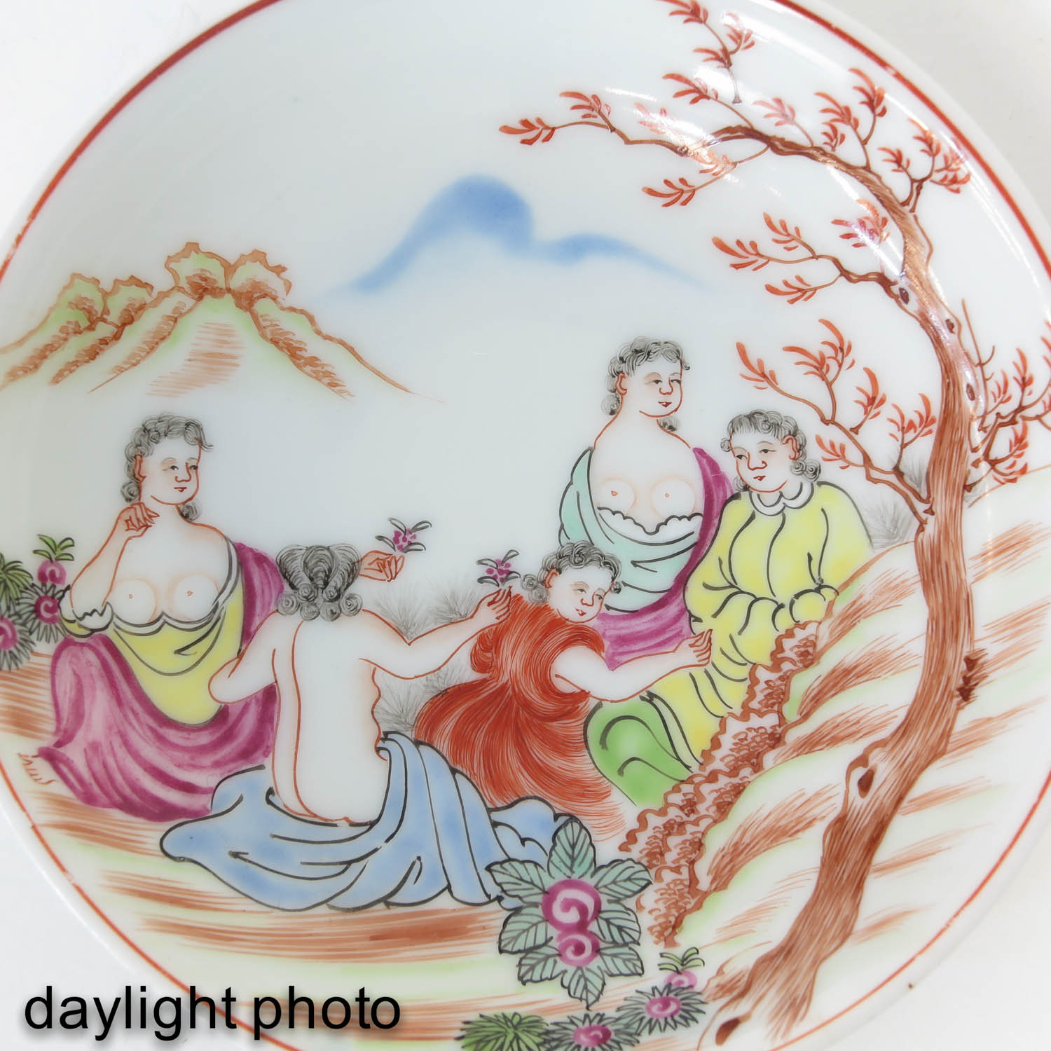 A Pair of Chine de Commande Small Plates - Image 9 of 9