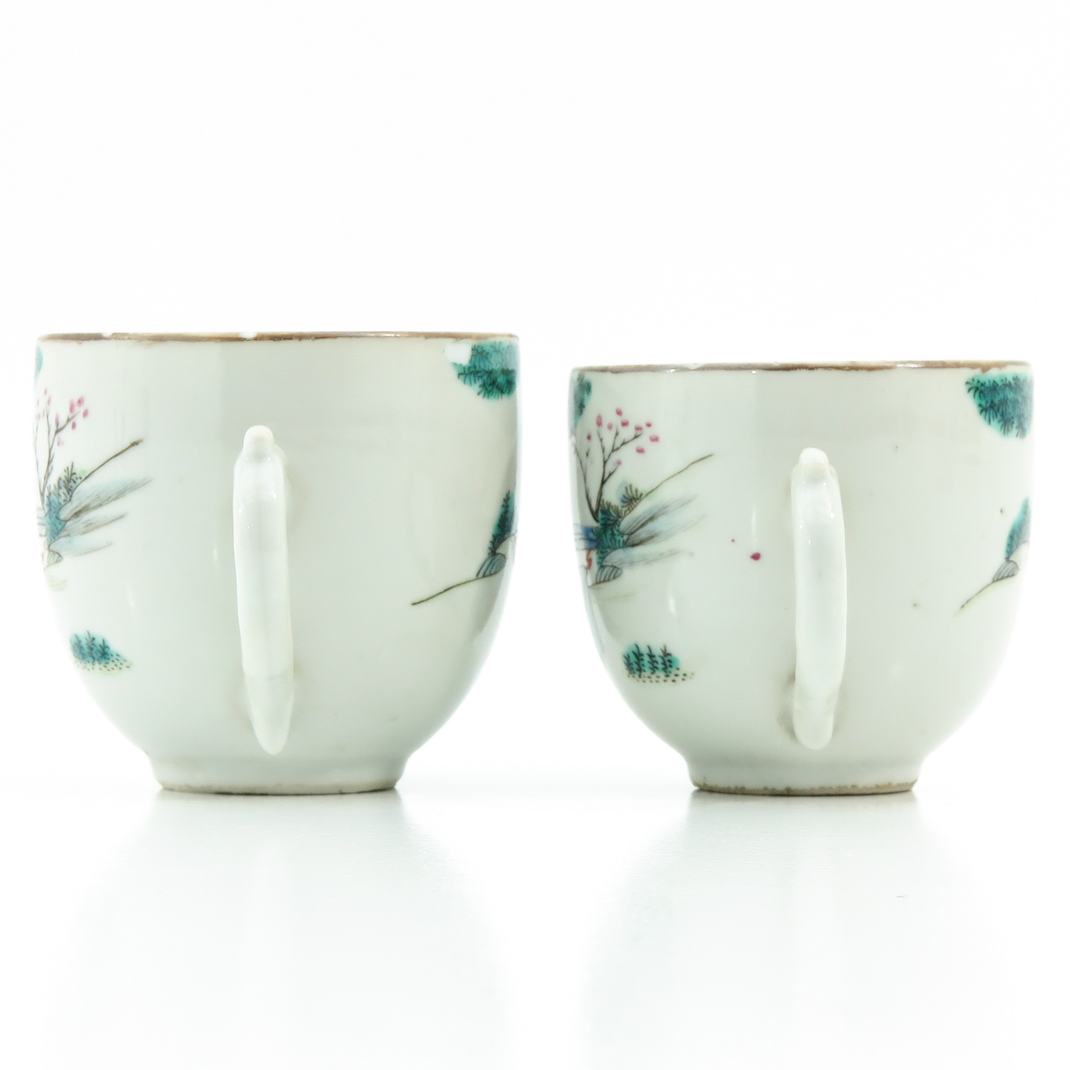 A Pair of Famille Rose Cups and Saucers - Image 2 of 10