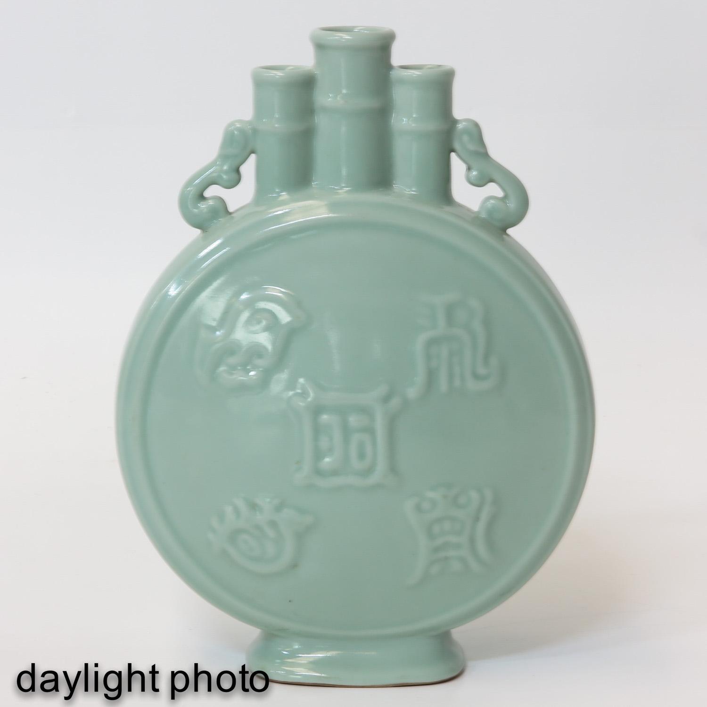 A Celadon Moon Bottle Vase - Image 7 of 10