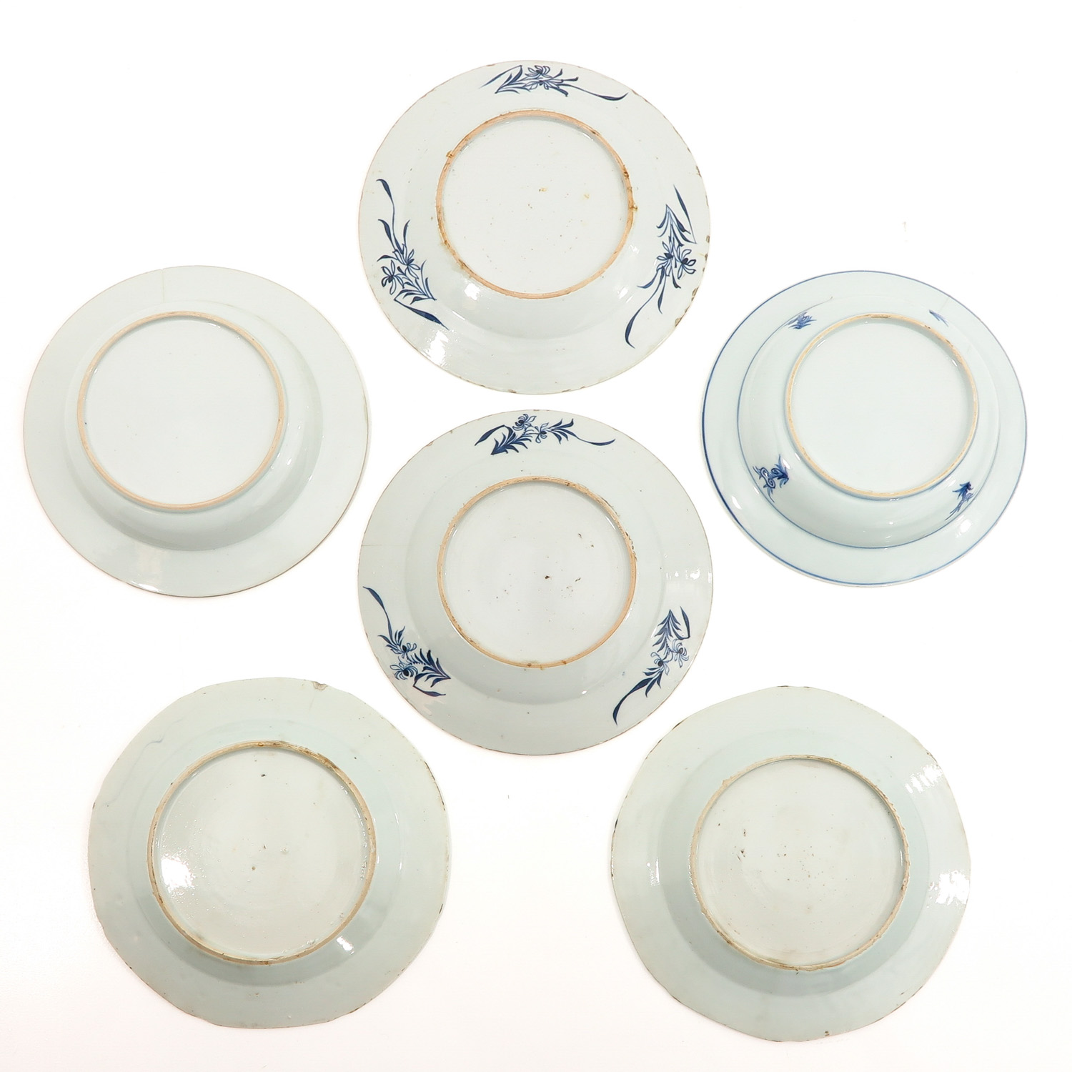 A Collection of 6 Blue and White Plates - Image 2 of 10