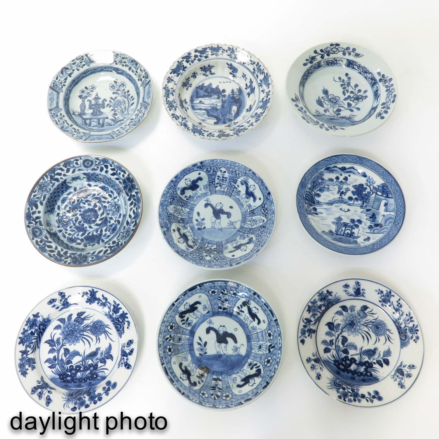 A Collection of 9 Blue and White Plates - Image 9 of 10