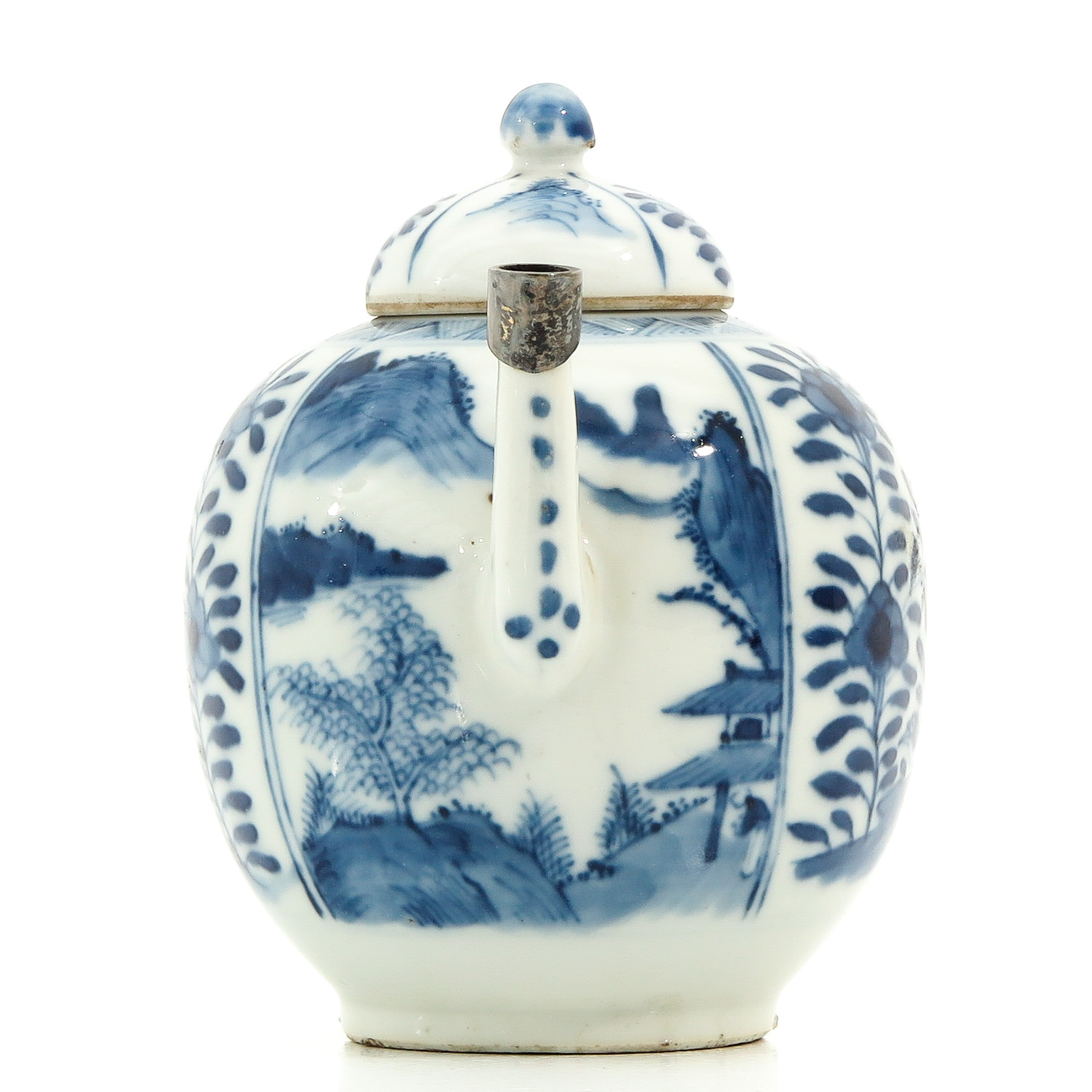 A Blue and White Teapot - Image 4 of 9