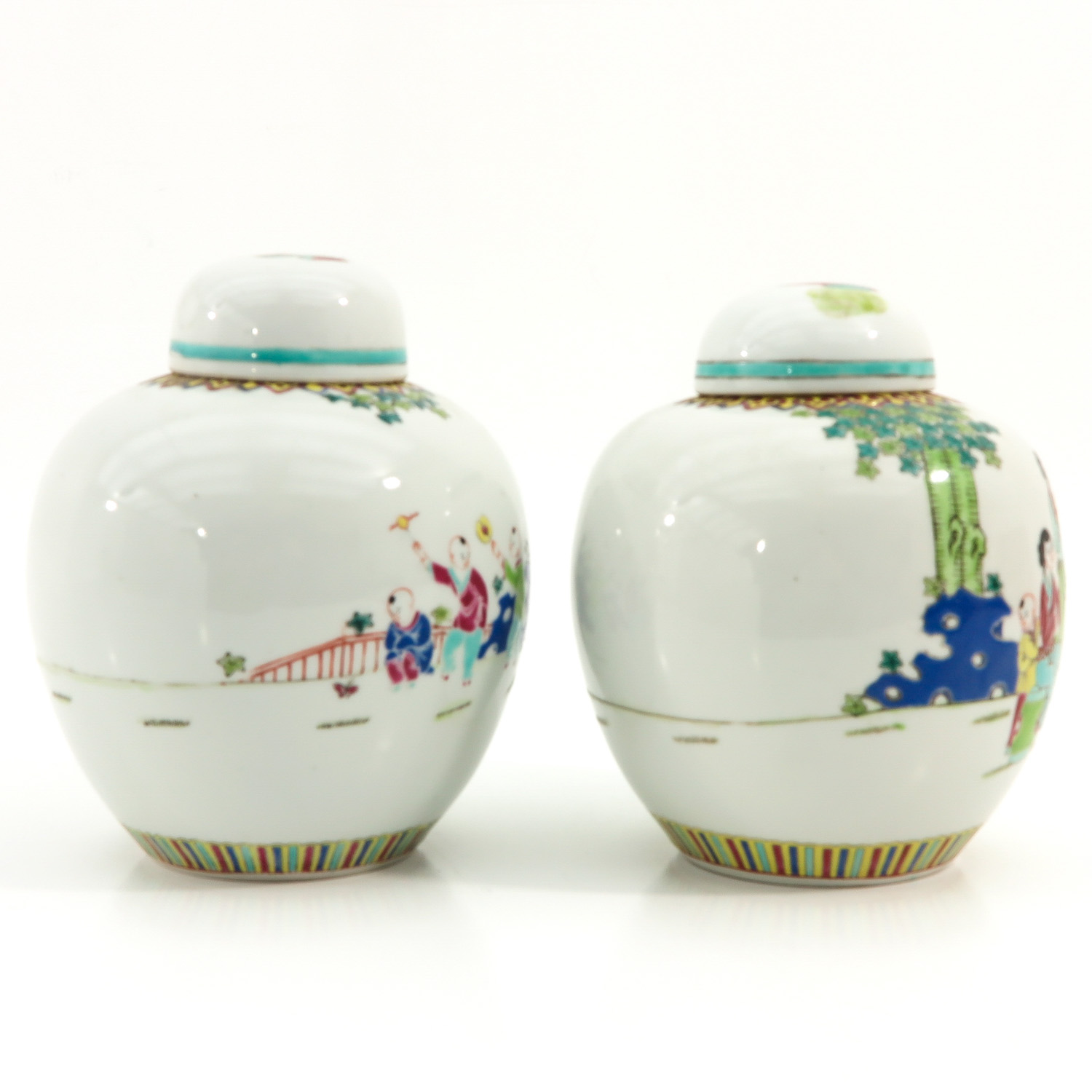 A Pair of Famille Rose Ginger Jars - Image 4 of 9