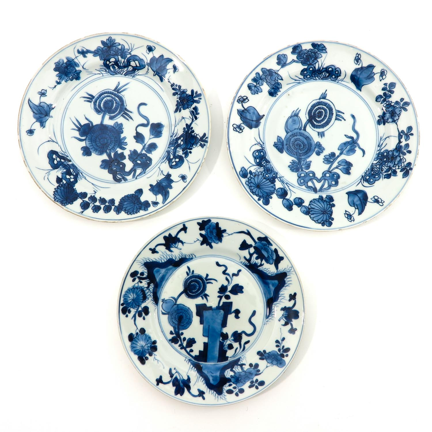A Lot of 3 Blue and White Plates