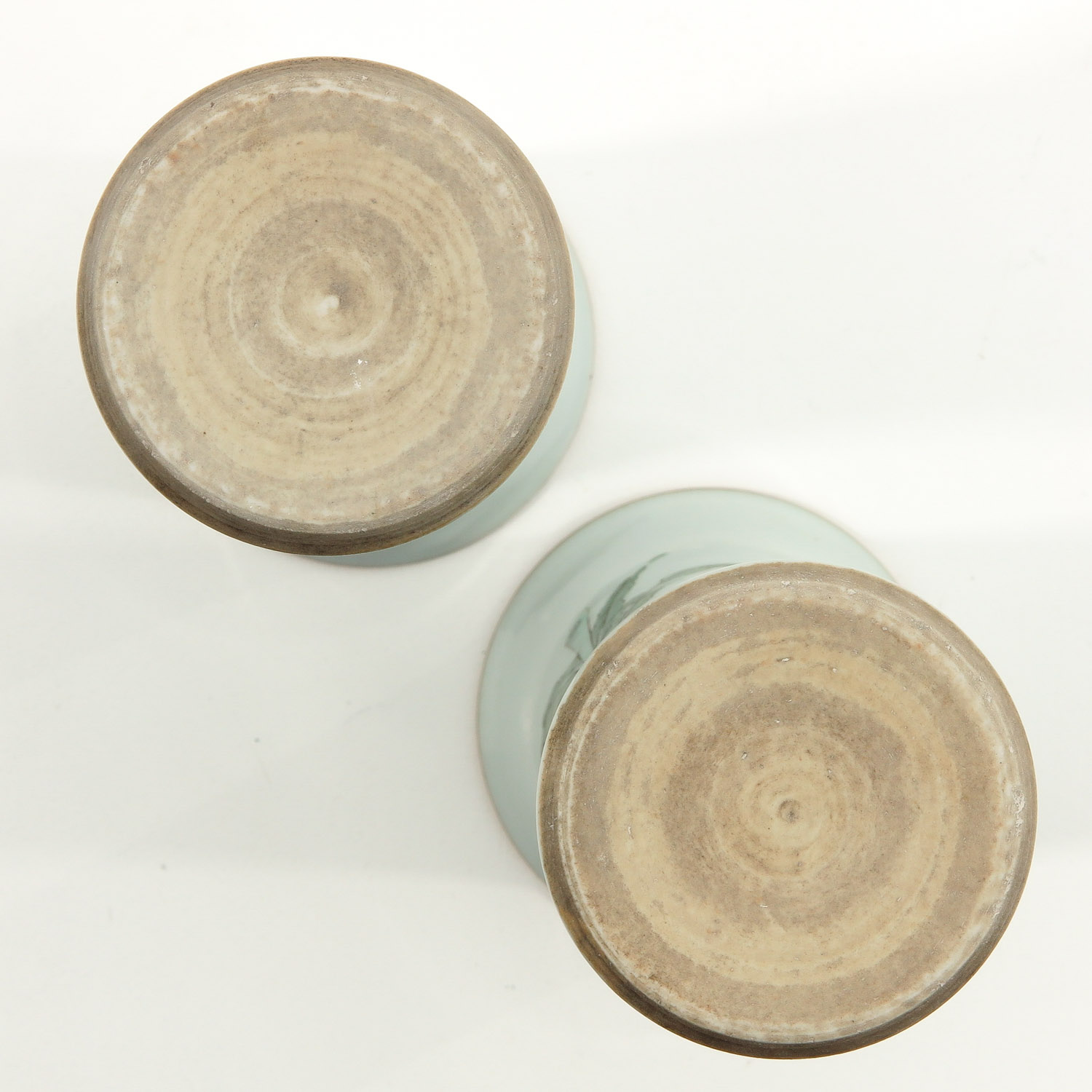 A Pair of Famile Verte Vases - Image 6 of 9